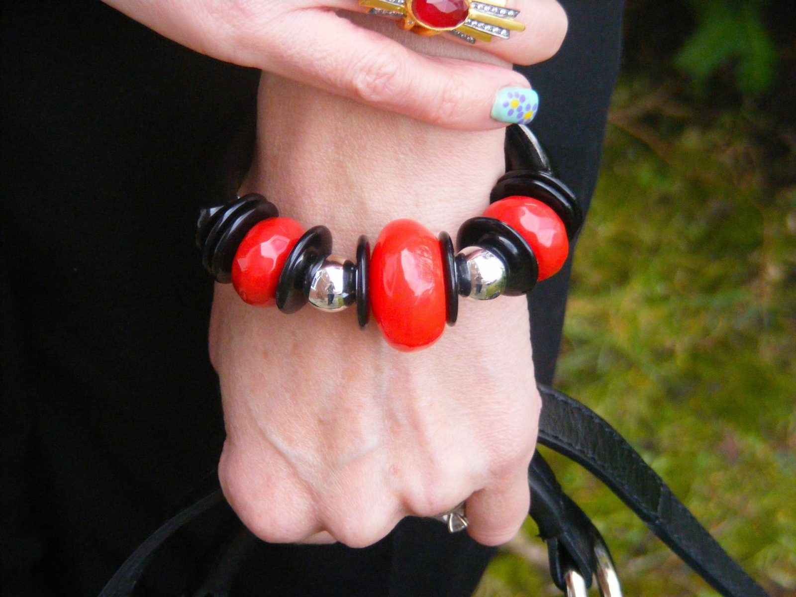 Black and red chunky bangle