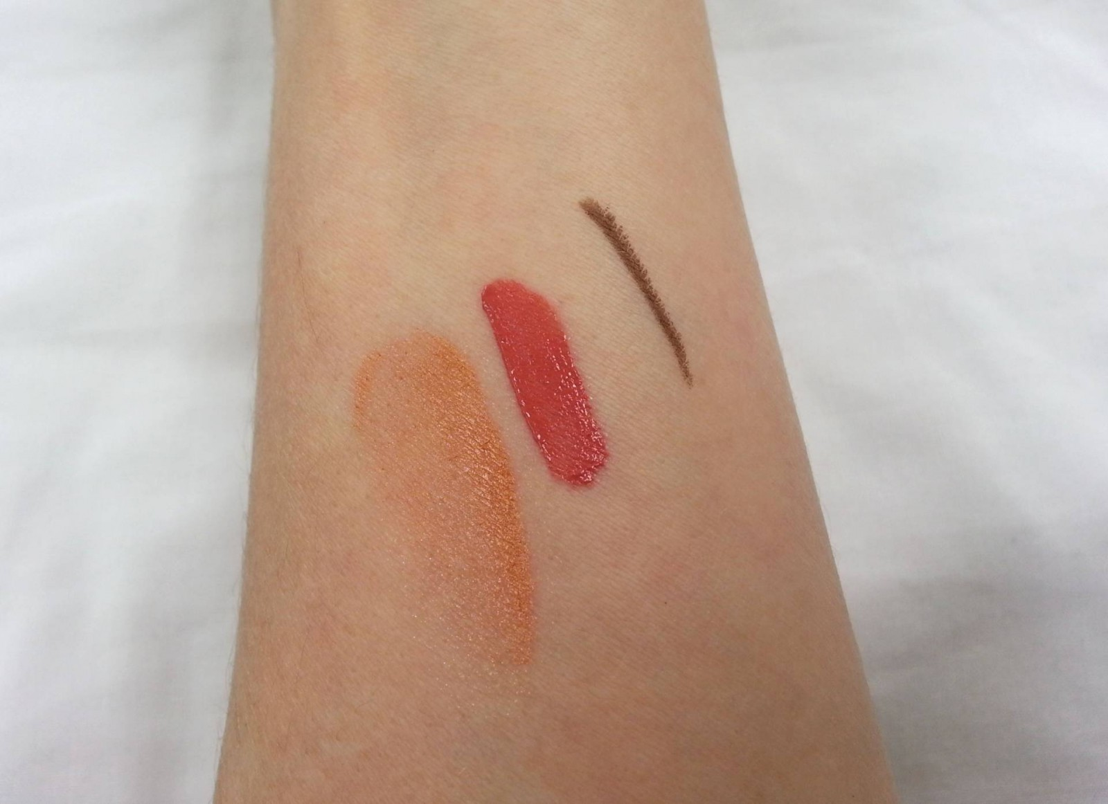 Swatches Eye of Horus Goddess pencil Nubian brown