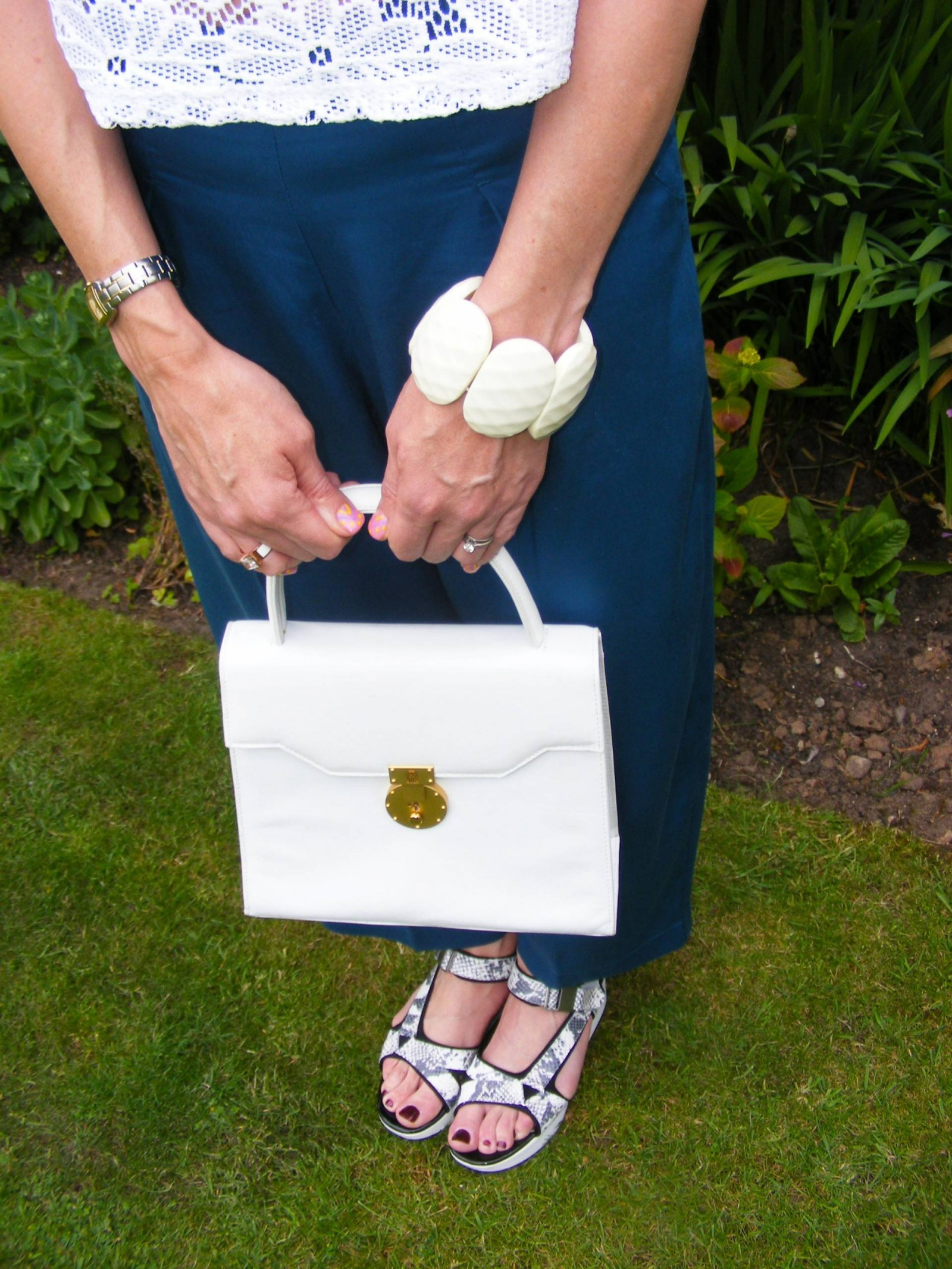 Clarks flatform sandals and Michelangelo white leather bag