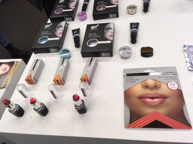 beauty-boulevard-stand Fluorescent Pr Press Day