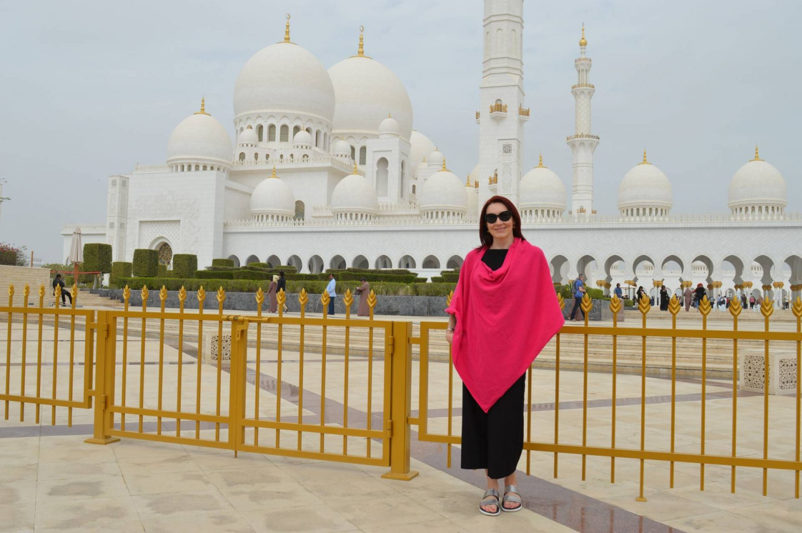 Holiday in Abu Dhabi Sheik Zayed Grand Mosque Hope poncho