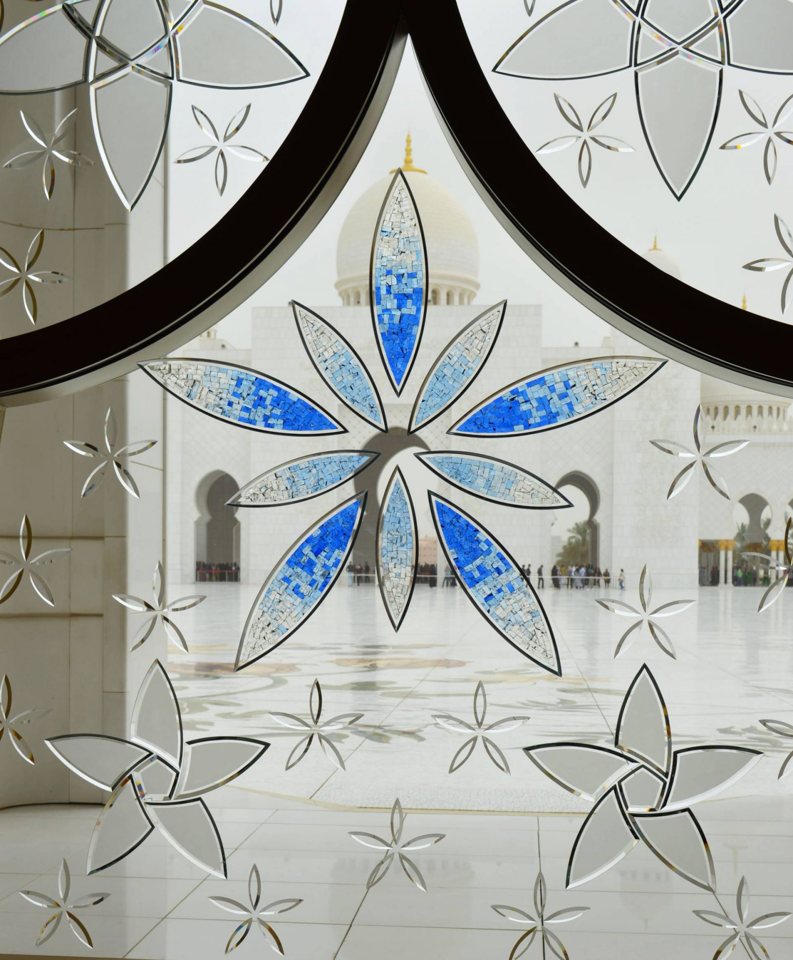 Holiday in Abu Dhabi Sheikh Zayed Grand Mosque