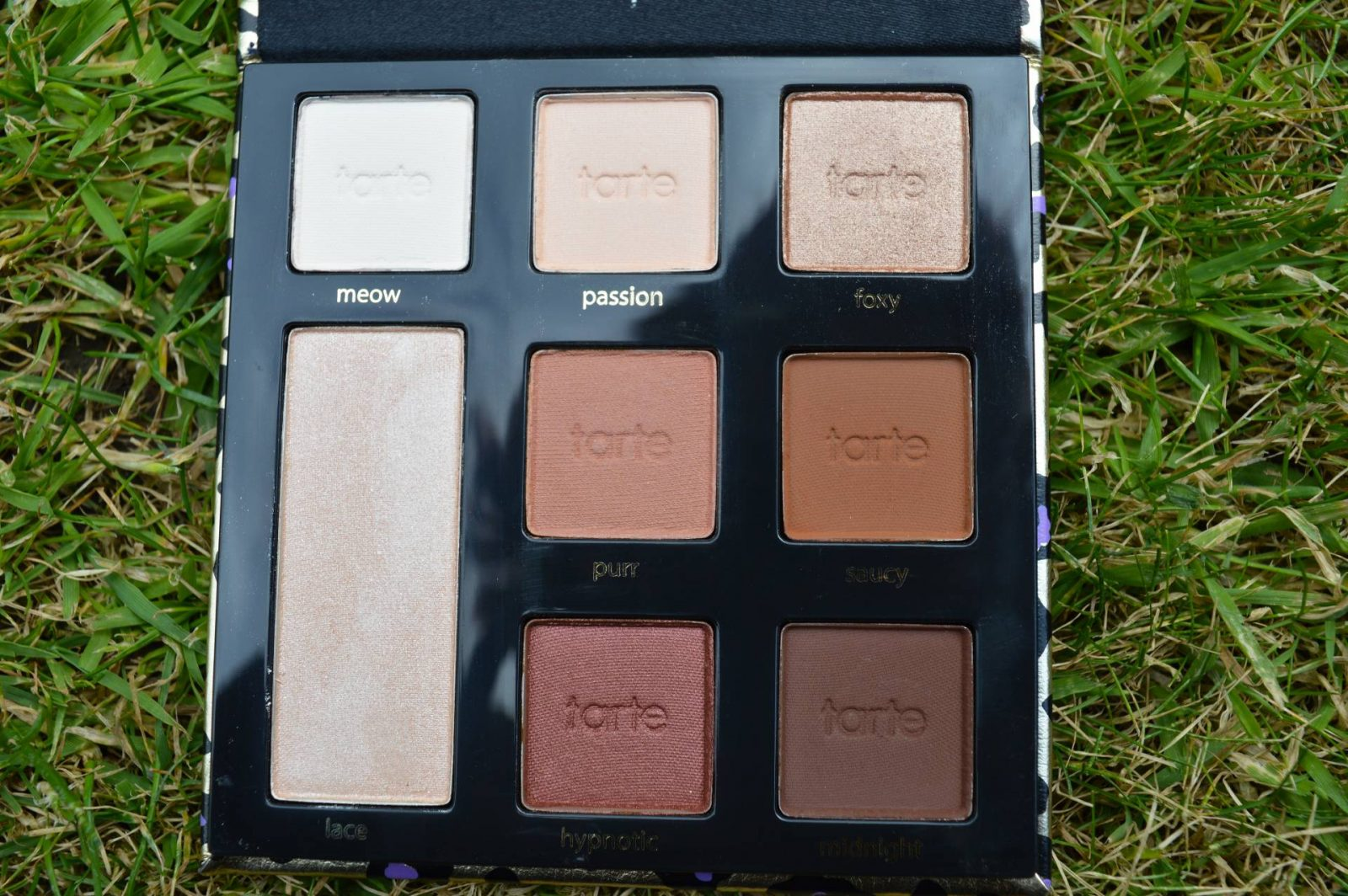 Tarte 7 Piece Maneater Make-up Collection and Bag eyeshadow palette