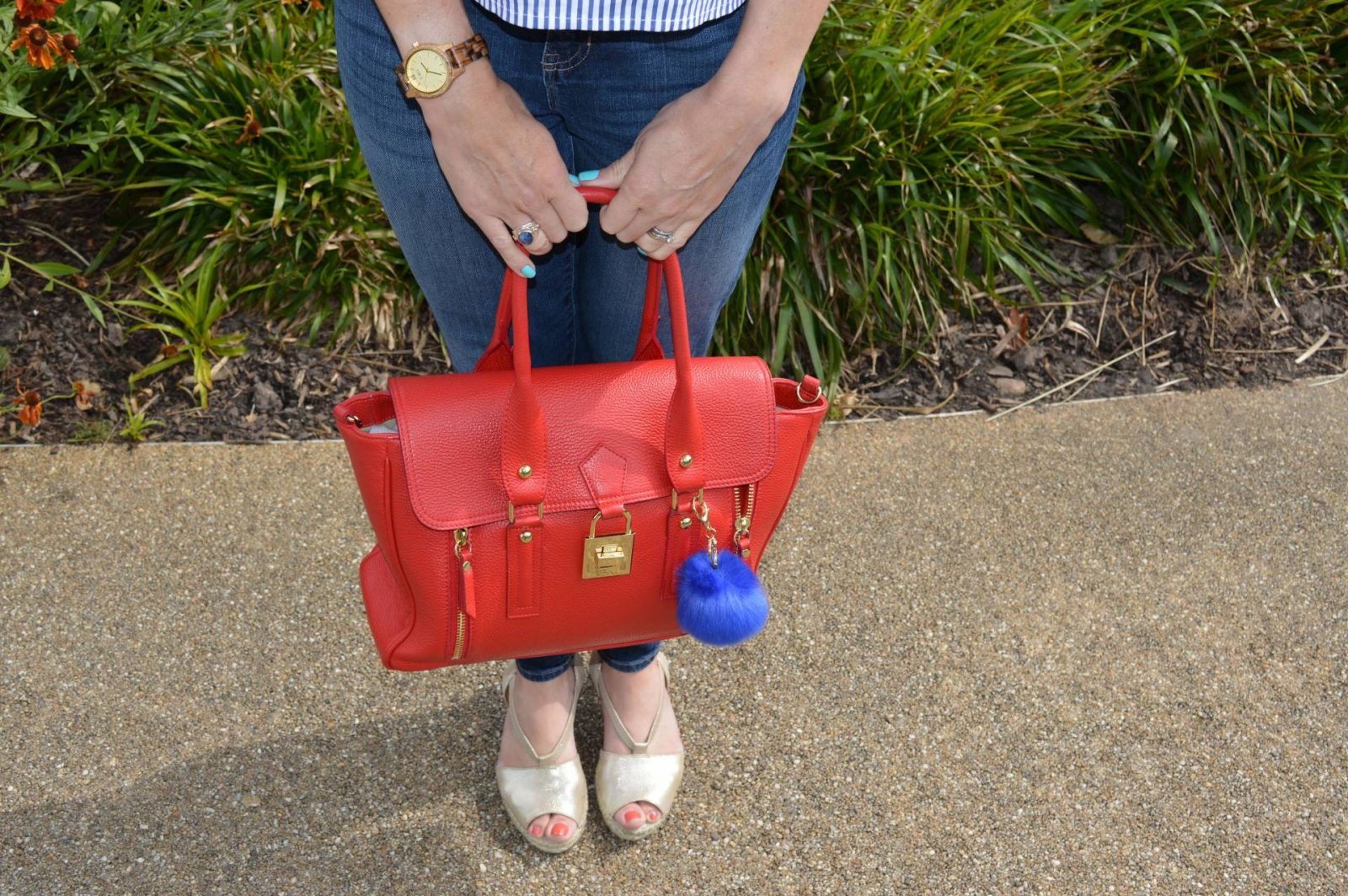 Striped Statement Sleeves and Jeans Mila Blu red leather bag