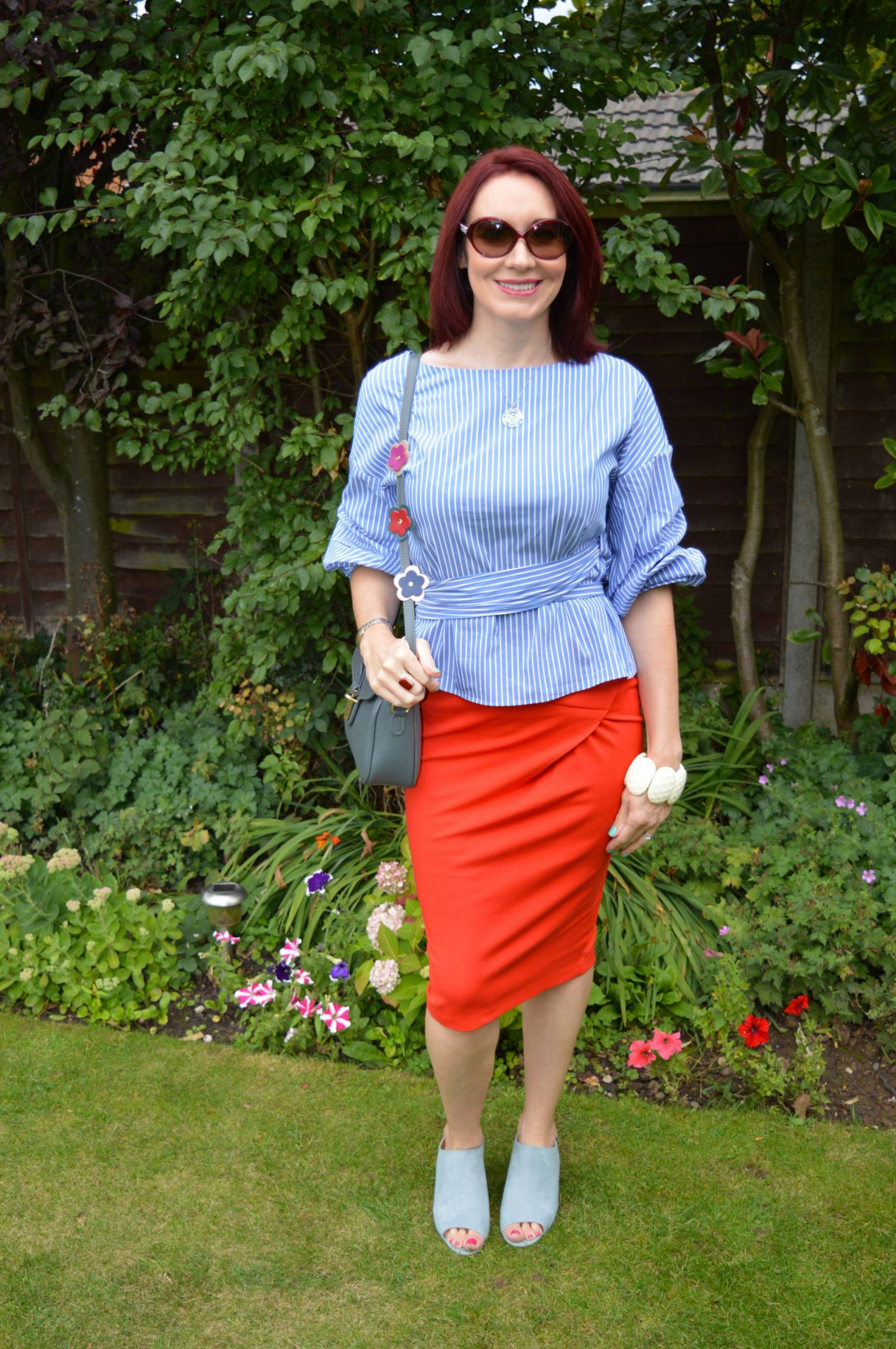 0f5d3247de3d3a Statement Sleeves and a Pencil Skirt + Style With a Smile Link Up