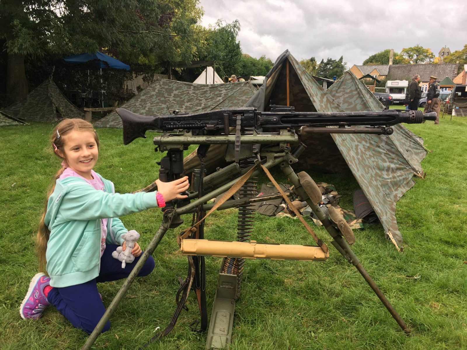 'Life on the Holme Front' 1940s Weekend machine gun