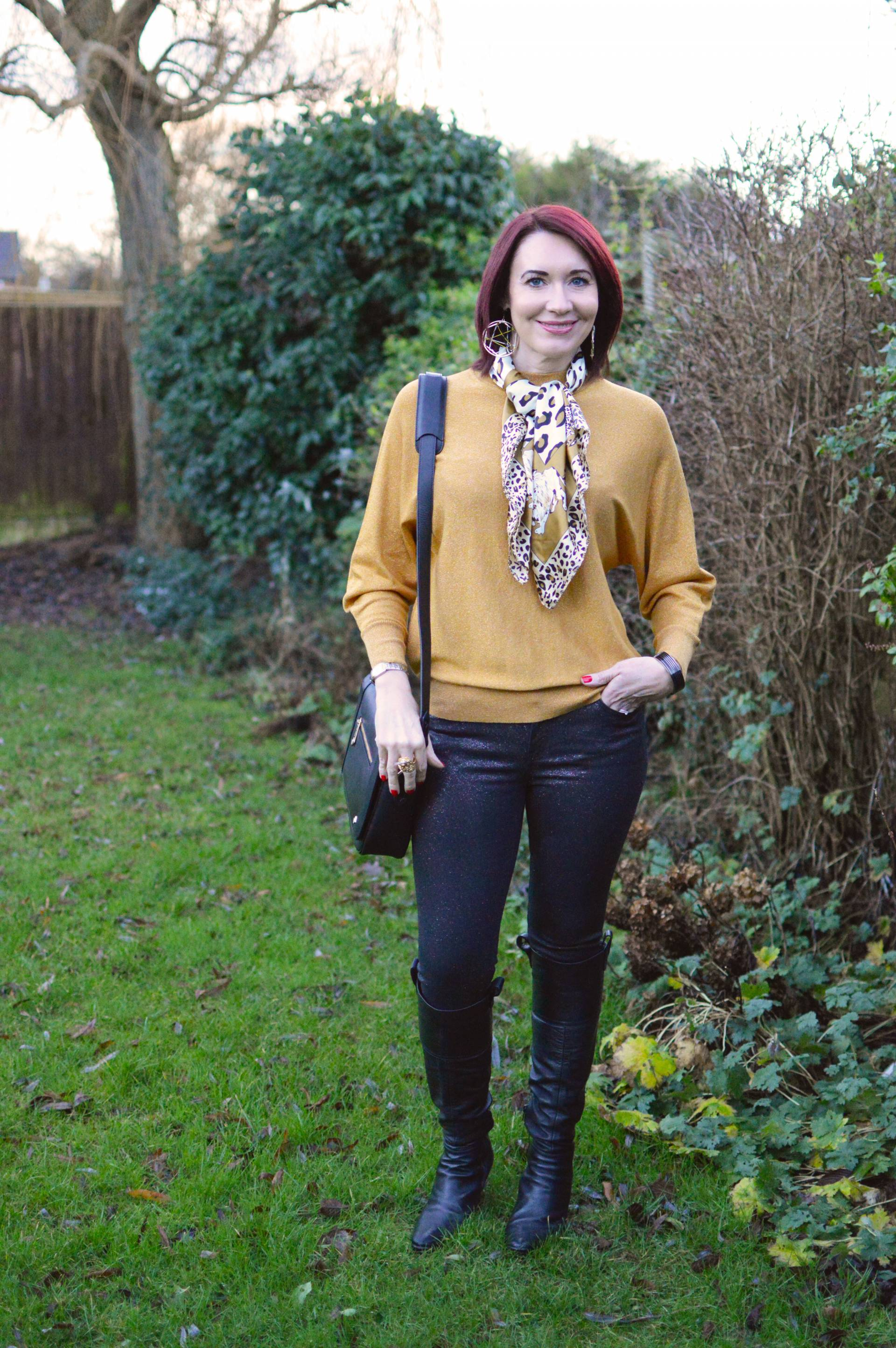 Gold Sparkly Jumper and Glitter Jeans + Link Up