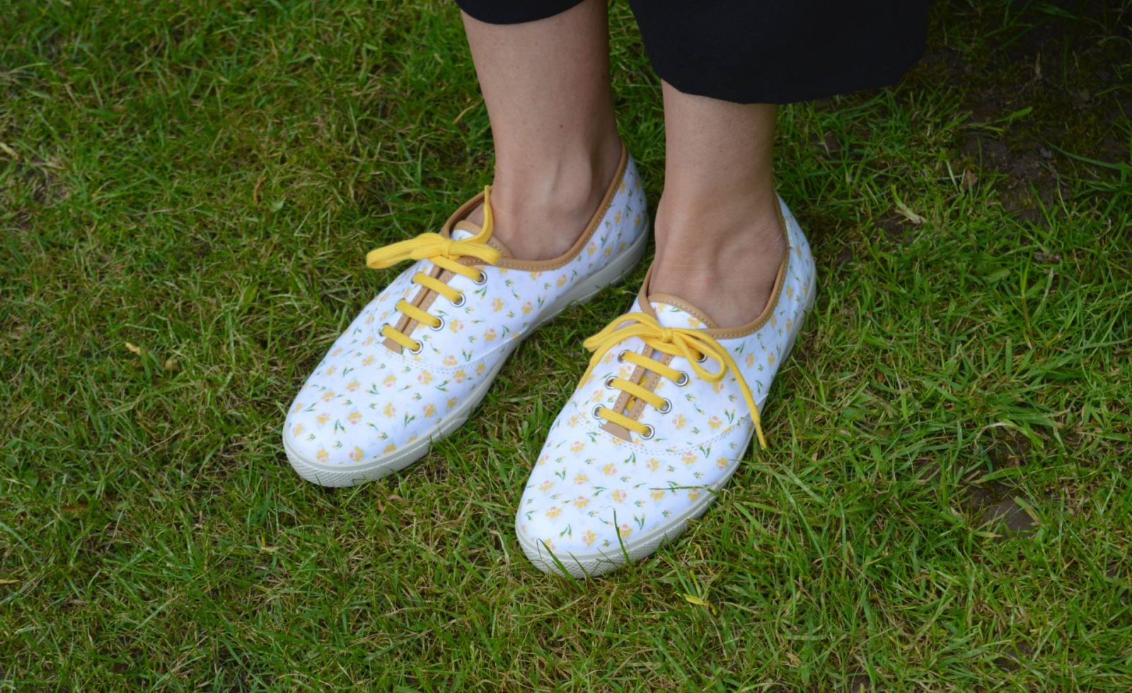 Styling floral prints for a comfy office-appropriate look, Hotter Mabel daffodil shoes