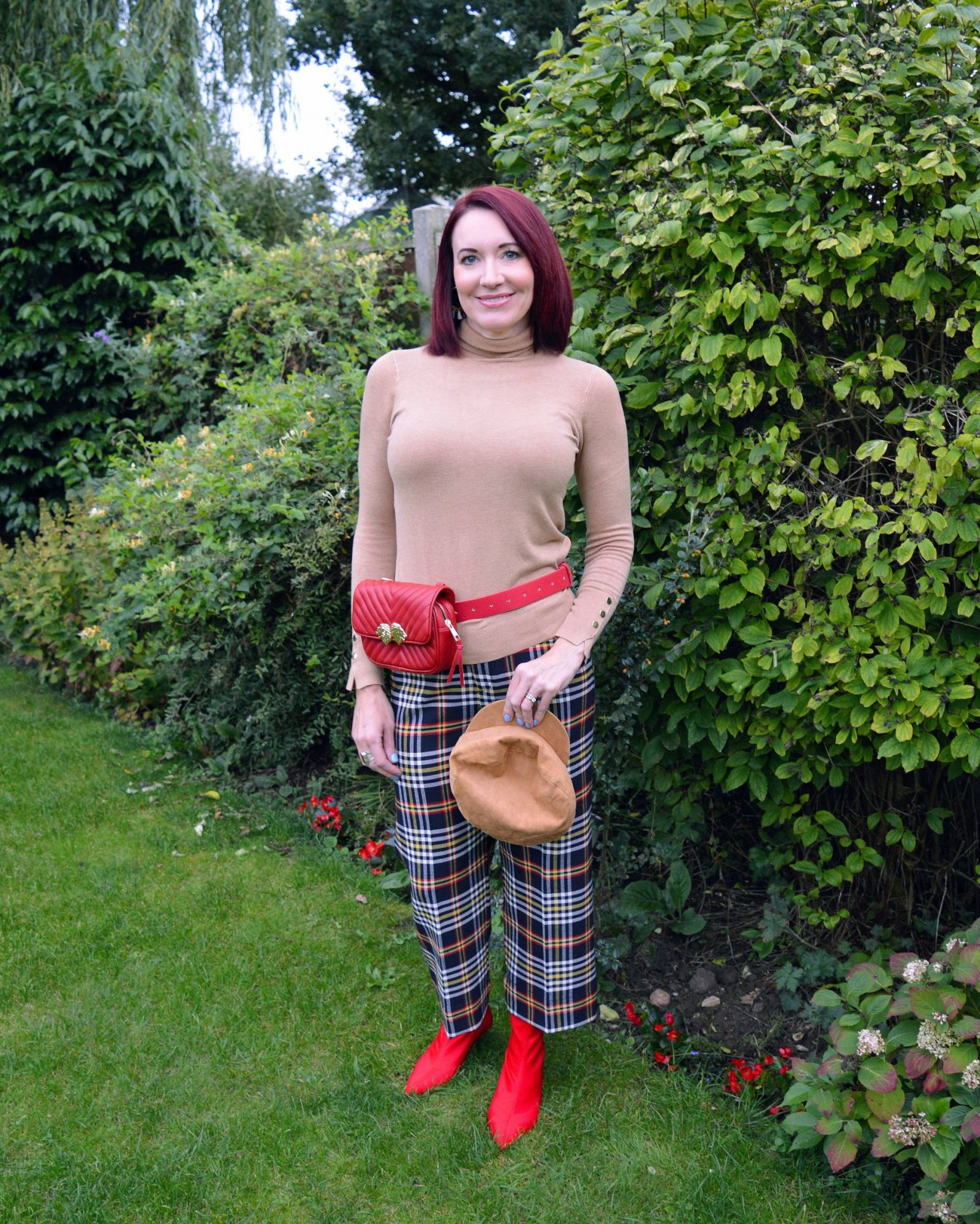 Embracing the new season in tartan trousers and a turtleneck sweater, Zara cropped tartan trousers, Zara camel turtleneck sweater, Zara red belt bag