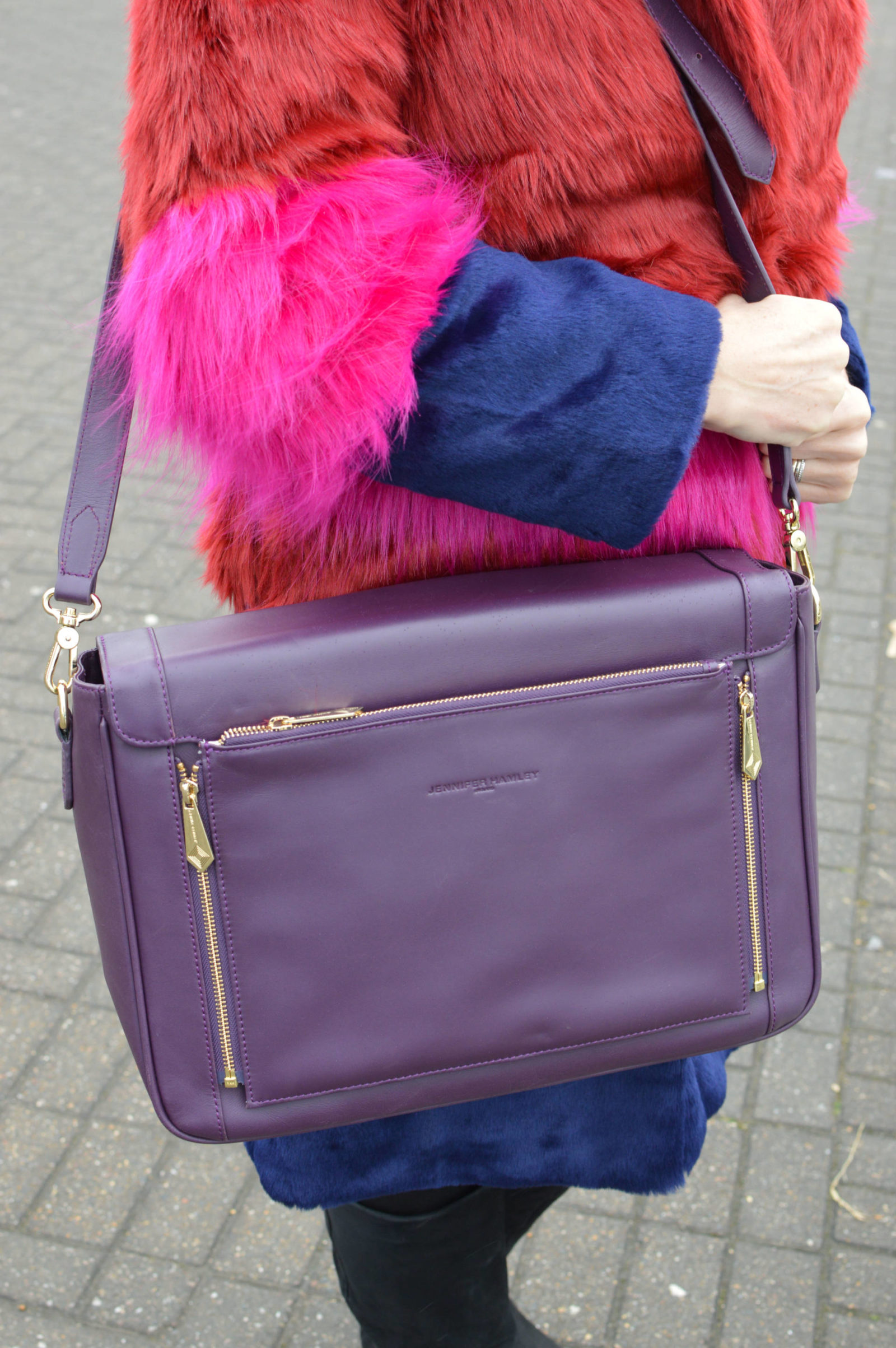 Valentine's lunch date outfits, Asos faux fur coat, Jennifer Hamley Model KT aubergine laptop bag