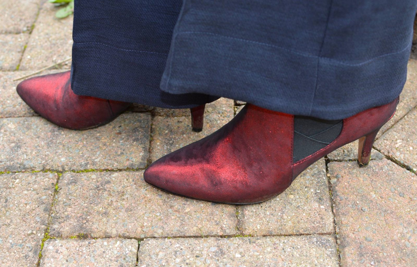 Lotus metallic red boots