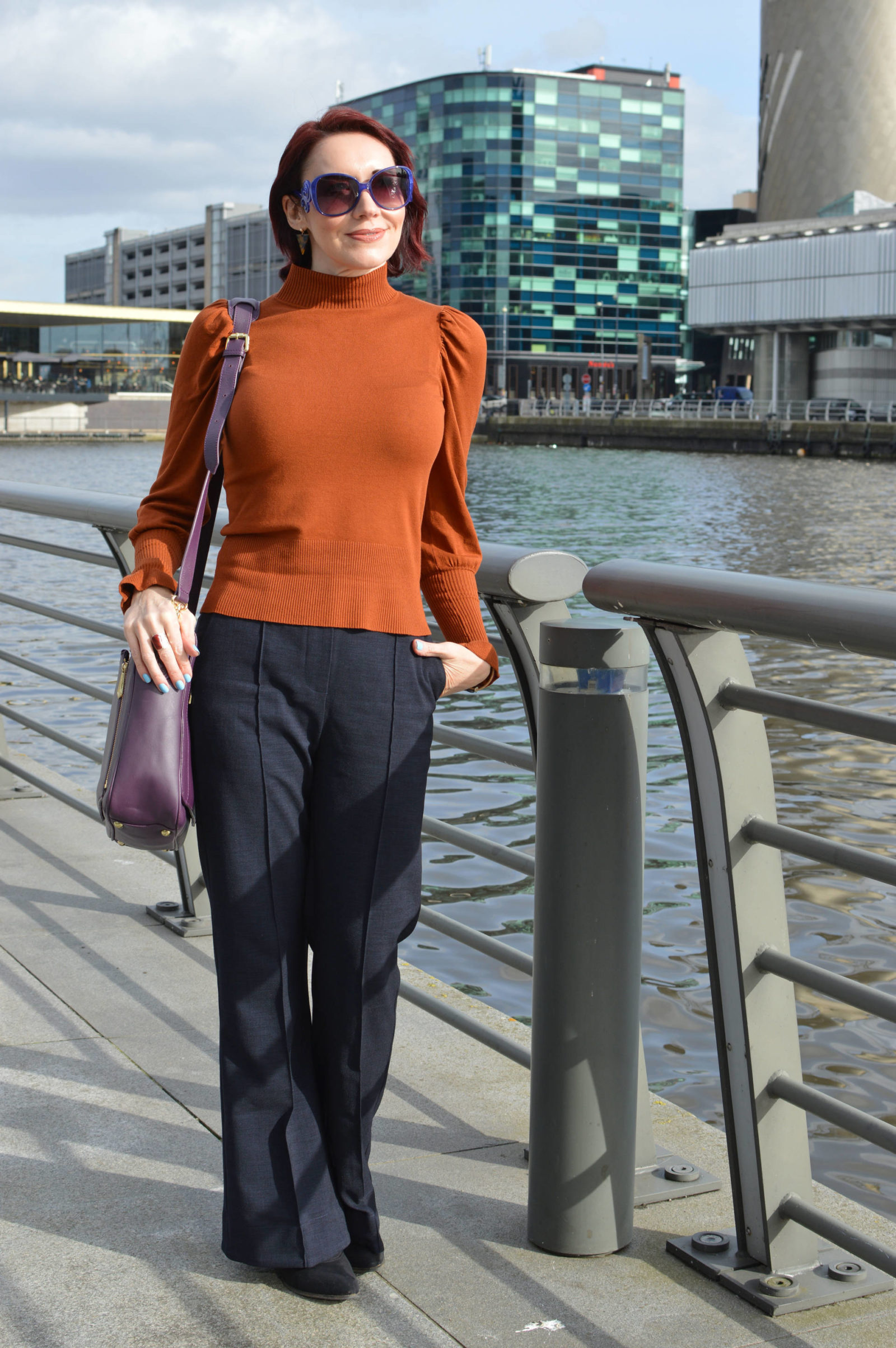 Brown and navy: a classic workwear outfit