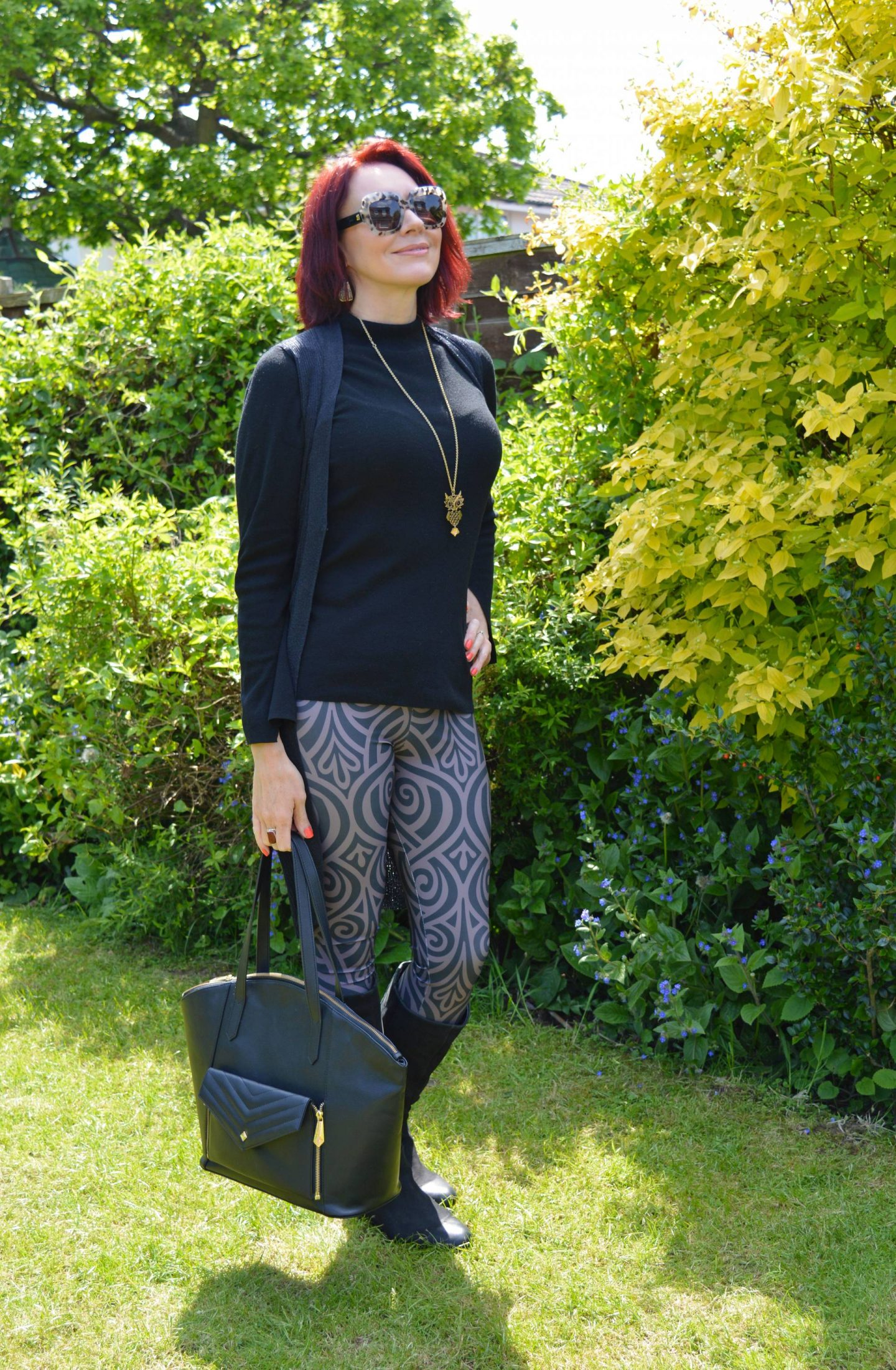 Workout leggings that are not just for the gym, Meadowlark Nouveau bands leggings, Jenifer Hamley vegan leather bag