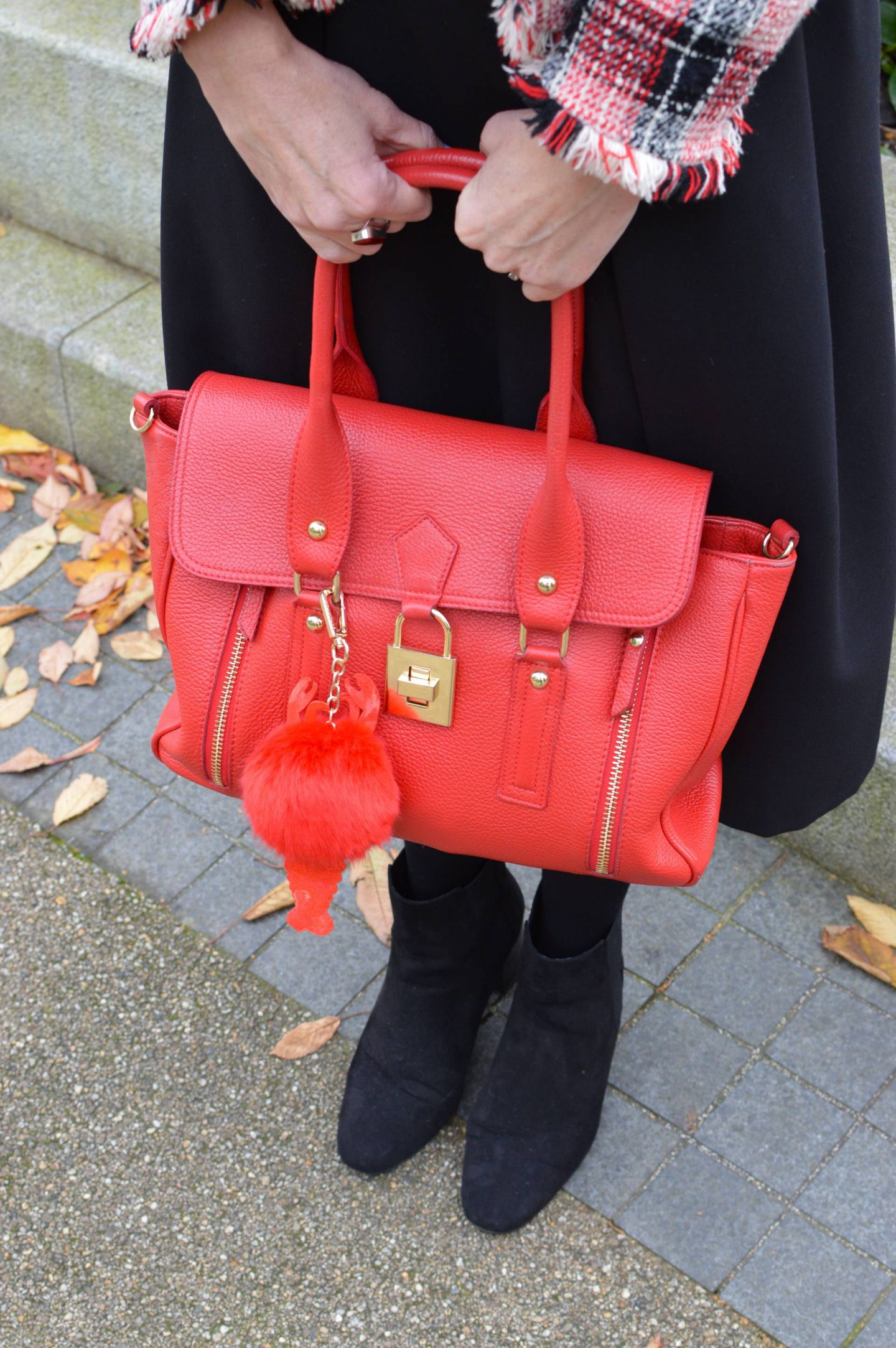 Mila Blu red tote bag