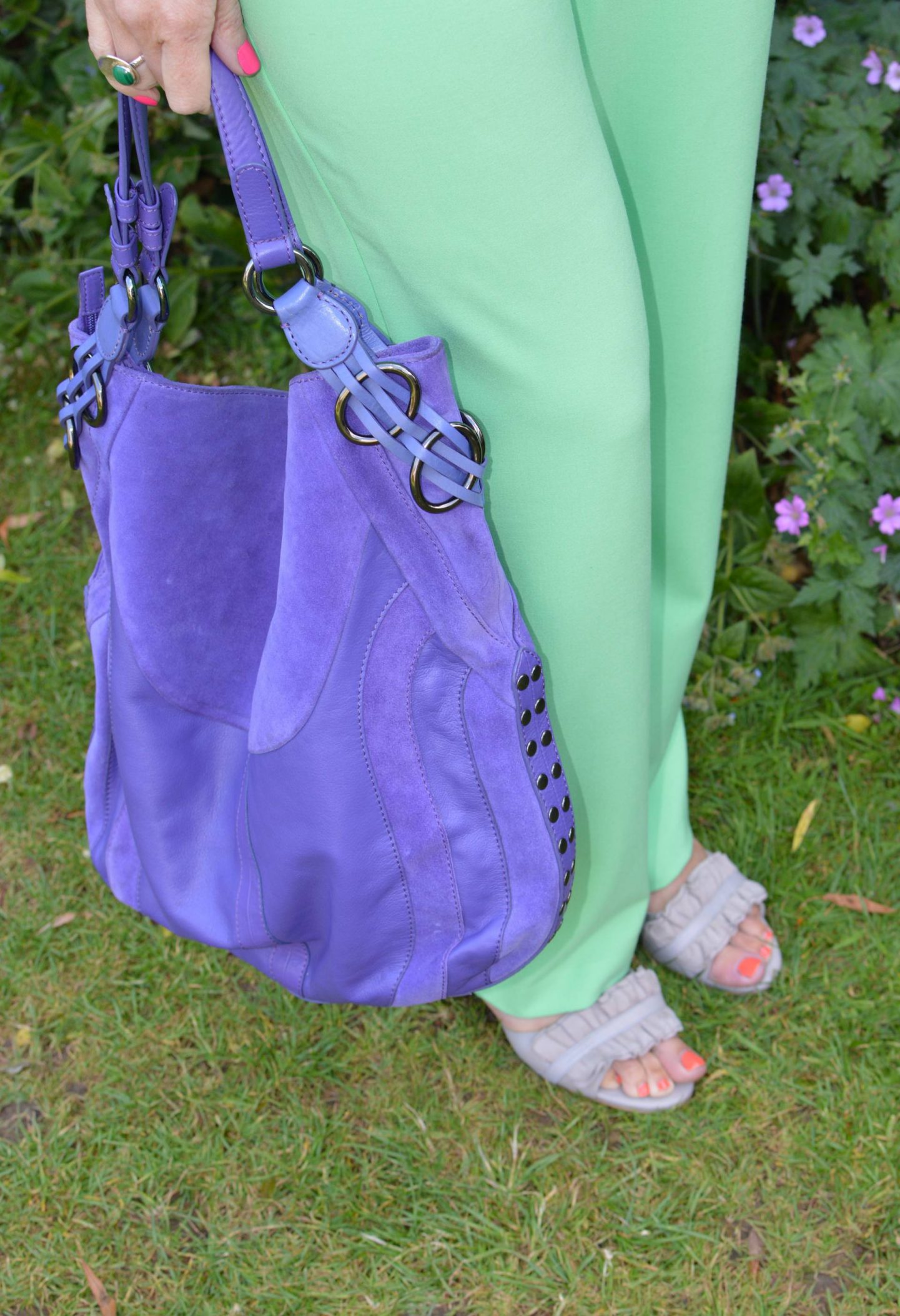 Collusion mint green trousers. purple Ri2k bag, Calla grey Florence sandals