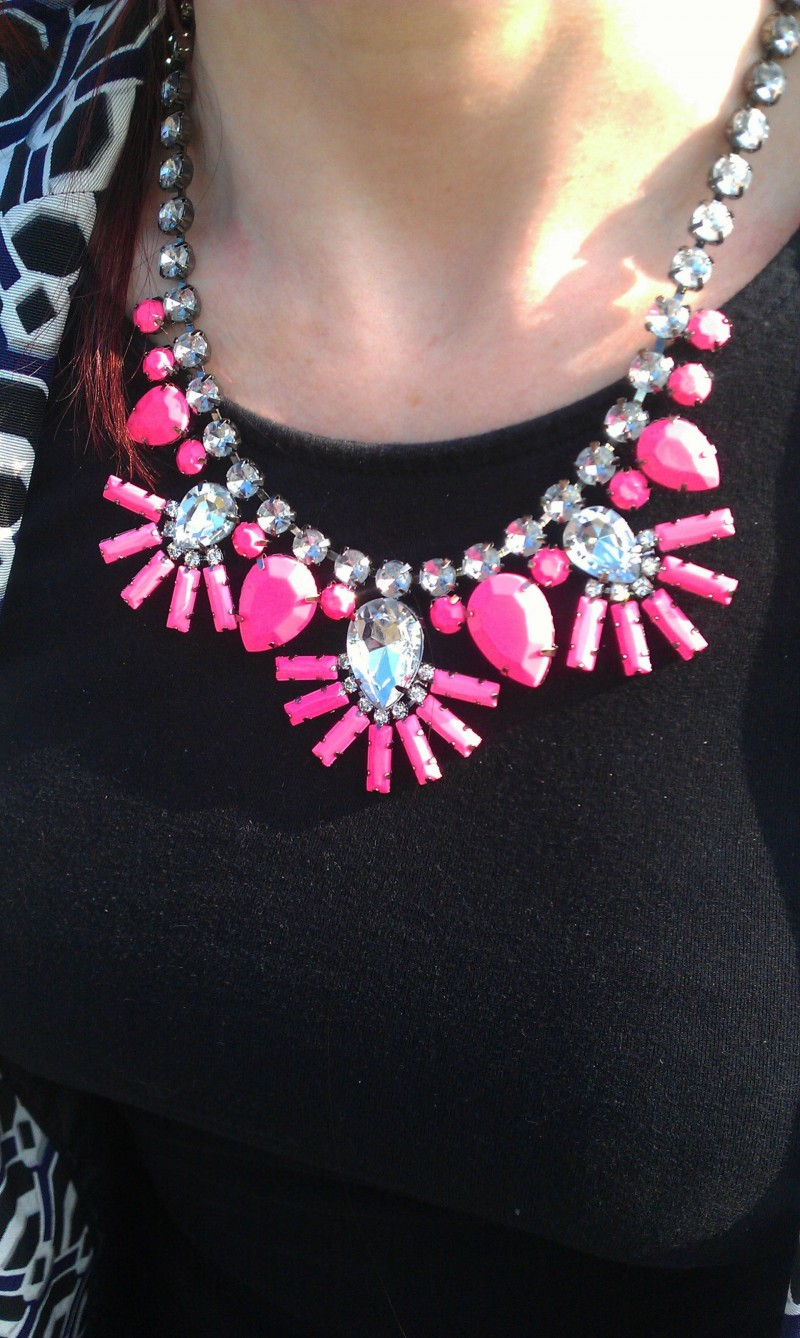 New Look neon pink necklace