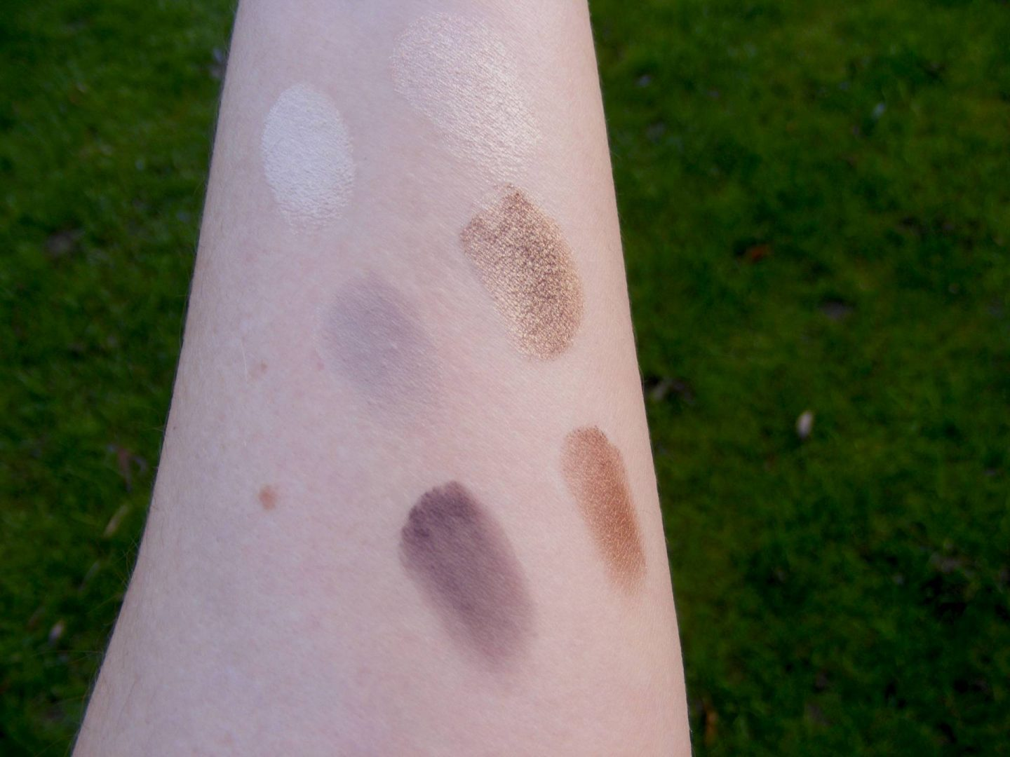 Sephora Pro Lesson Eyeshadow Palette swatch