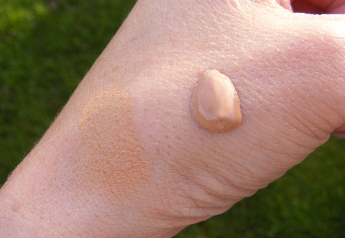 Sephora foundation swatch