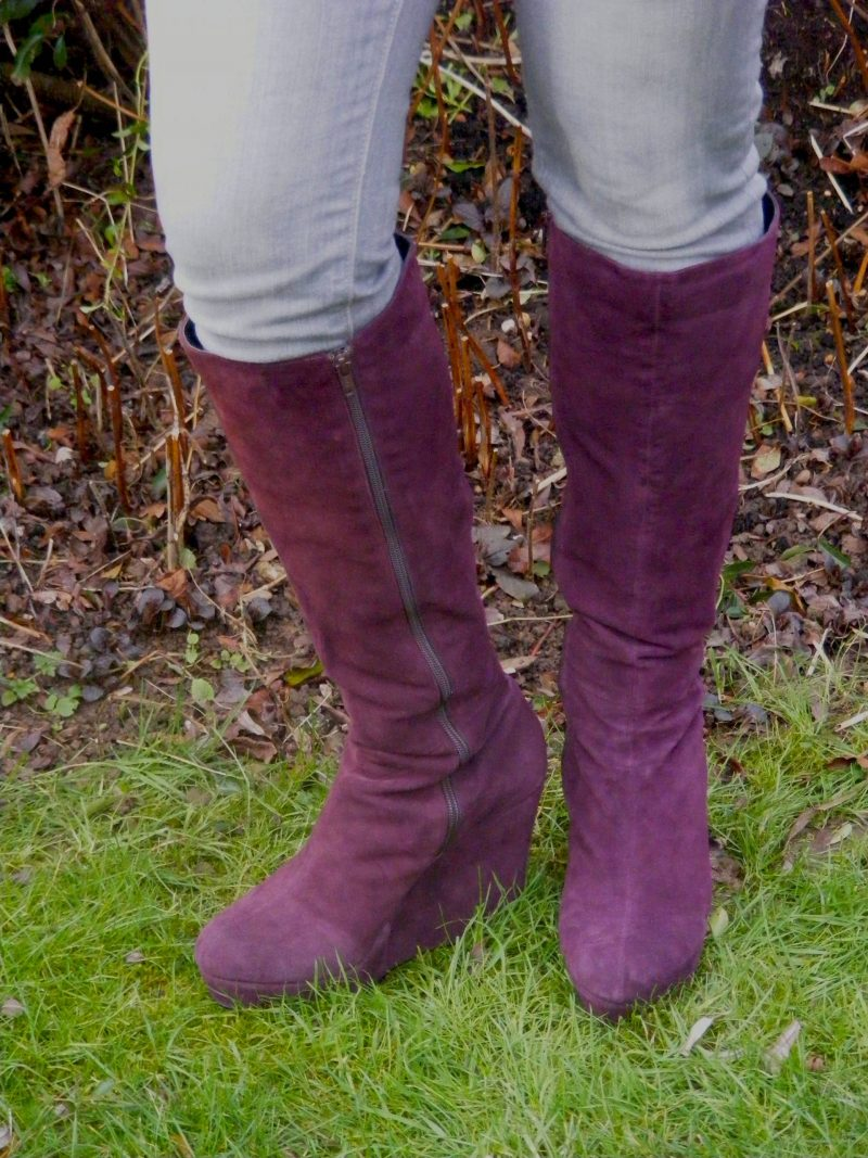 Berry suede Office boots