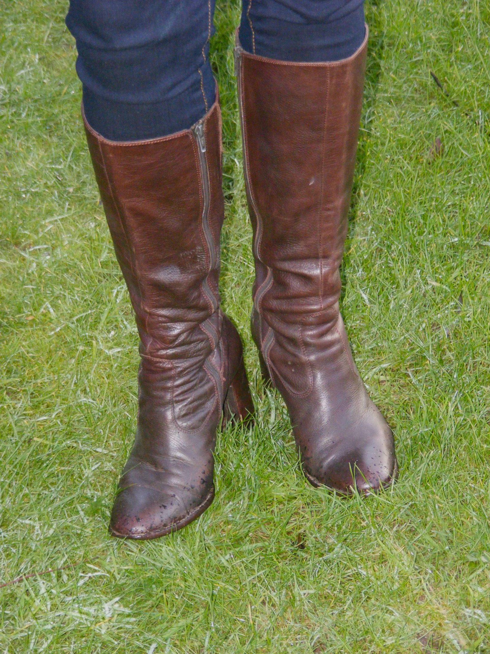 Brown leather Jones Boots