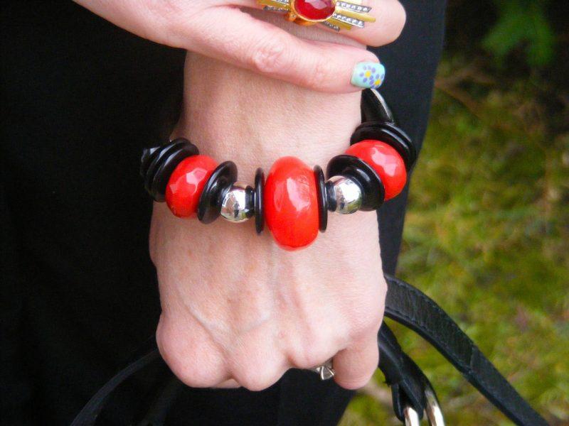 Black and red chunky bangle