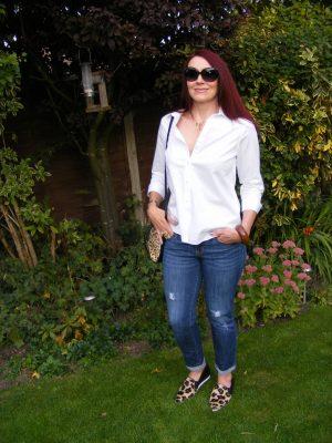 Gap boyfriend jeans and white shirt