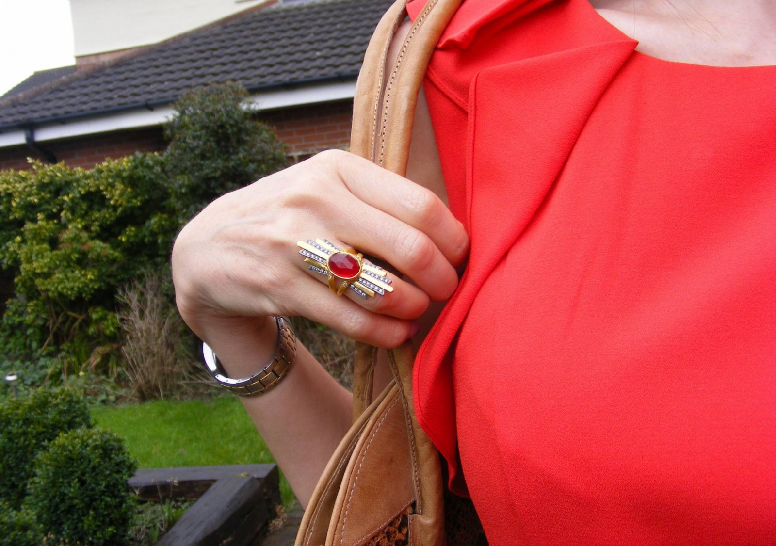 Kevia red stone ring