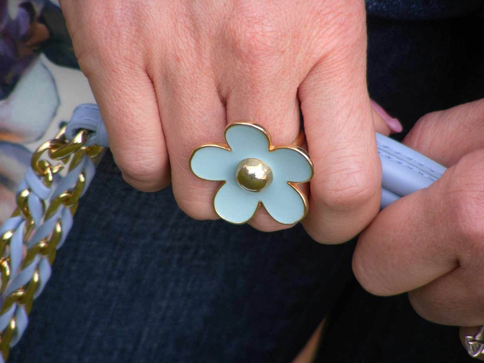 Pale blue flower ring