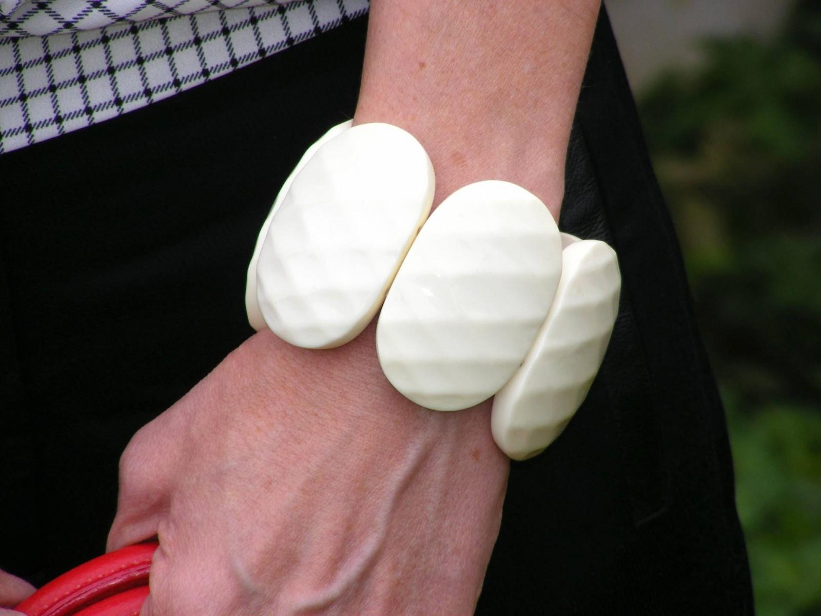 Cream chunky bracelet