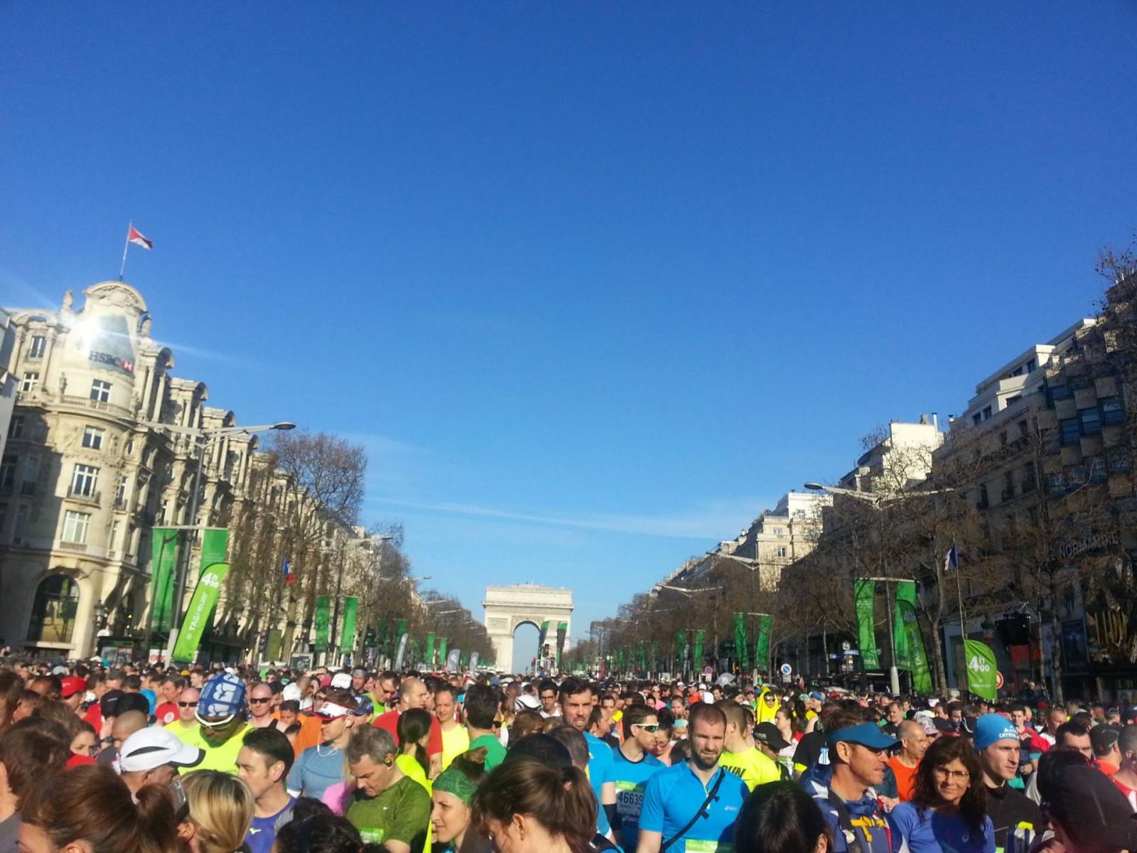 Paris Marathon 2016 start line Champs Elysees