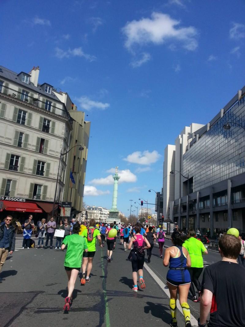 Paris marathon Place de la Bastille