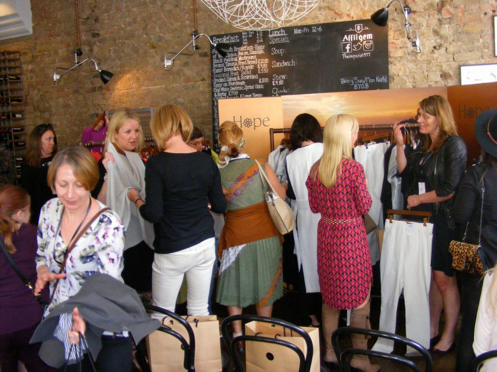 3040 blogger meet Hope fashion display