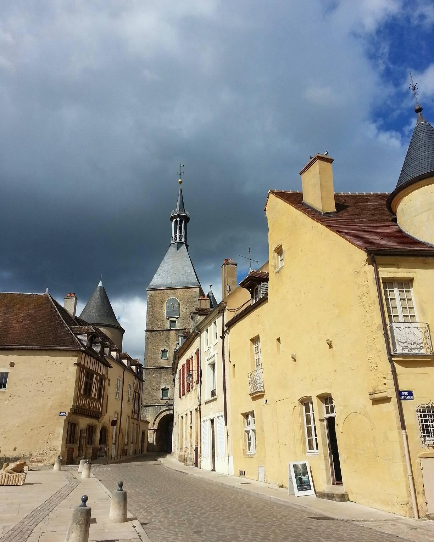 Avallon town centre