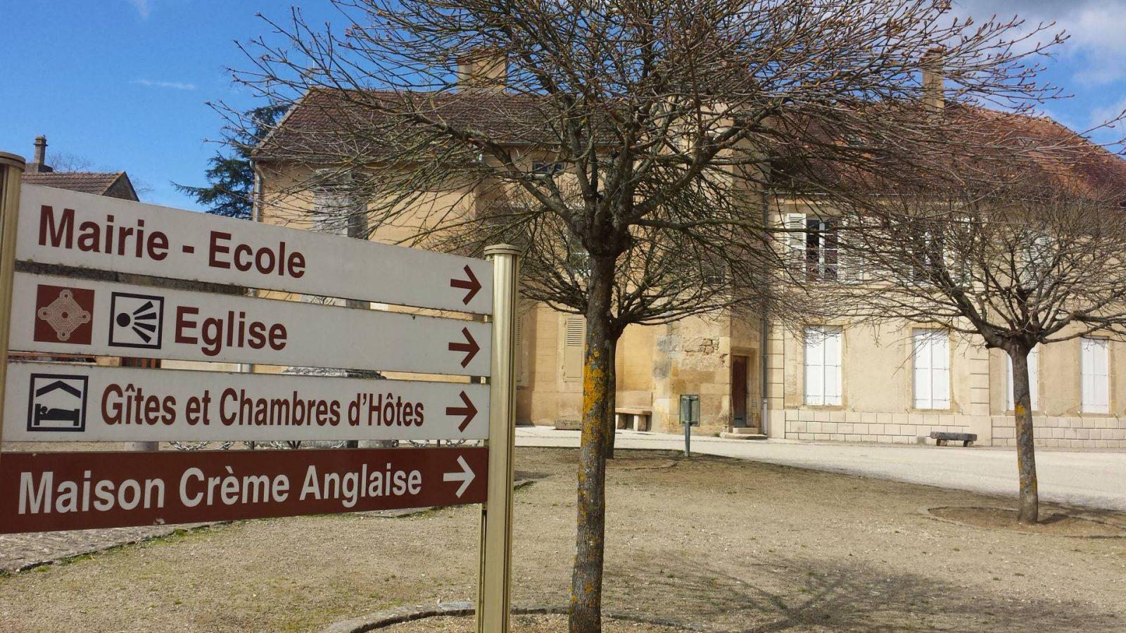 Maison Creme Anglaise sign