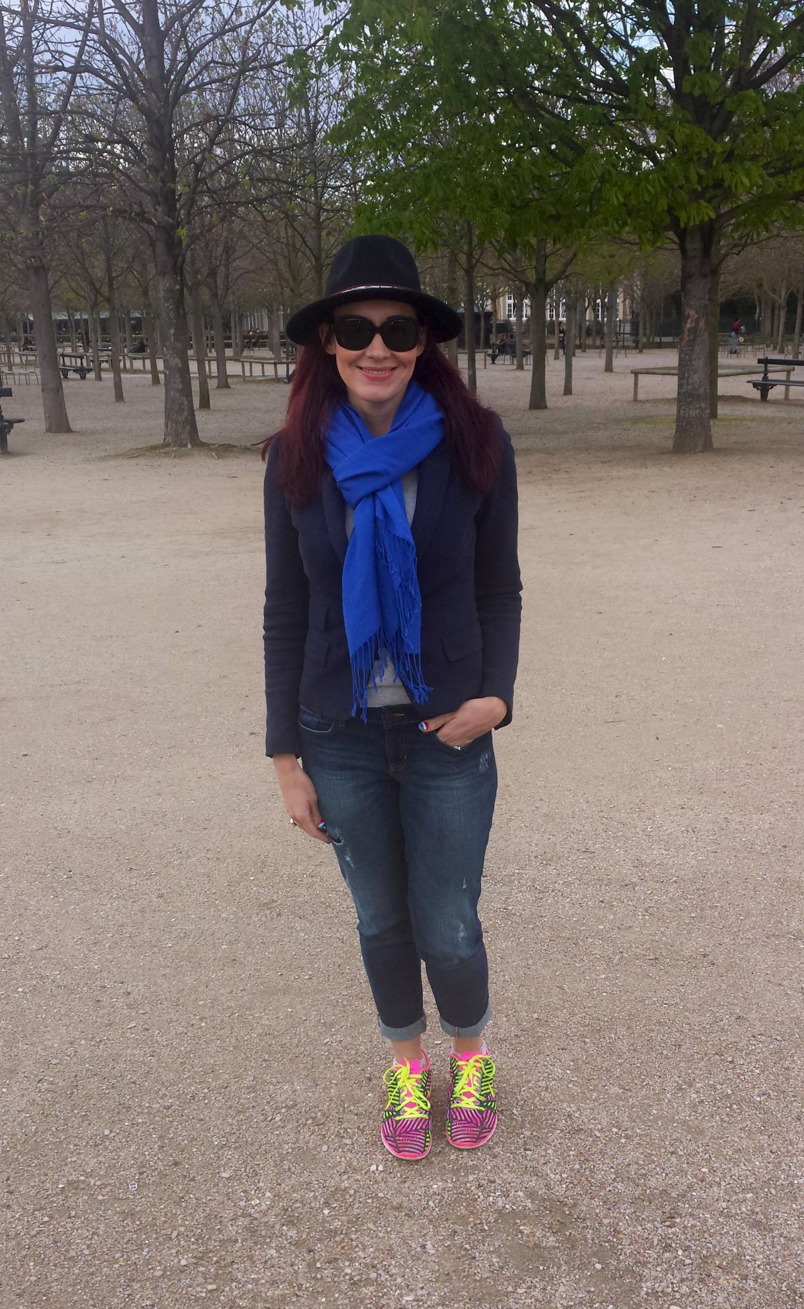 Zara hat and navy jacket Jardin du Luxembourg Paris