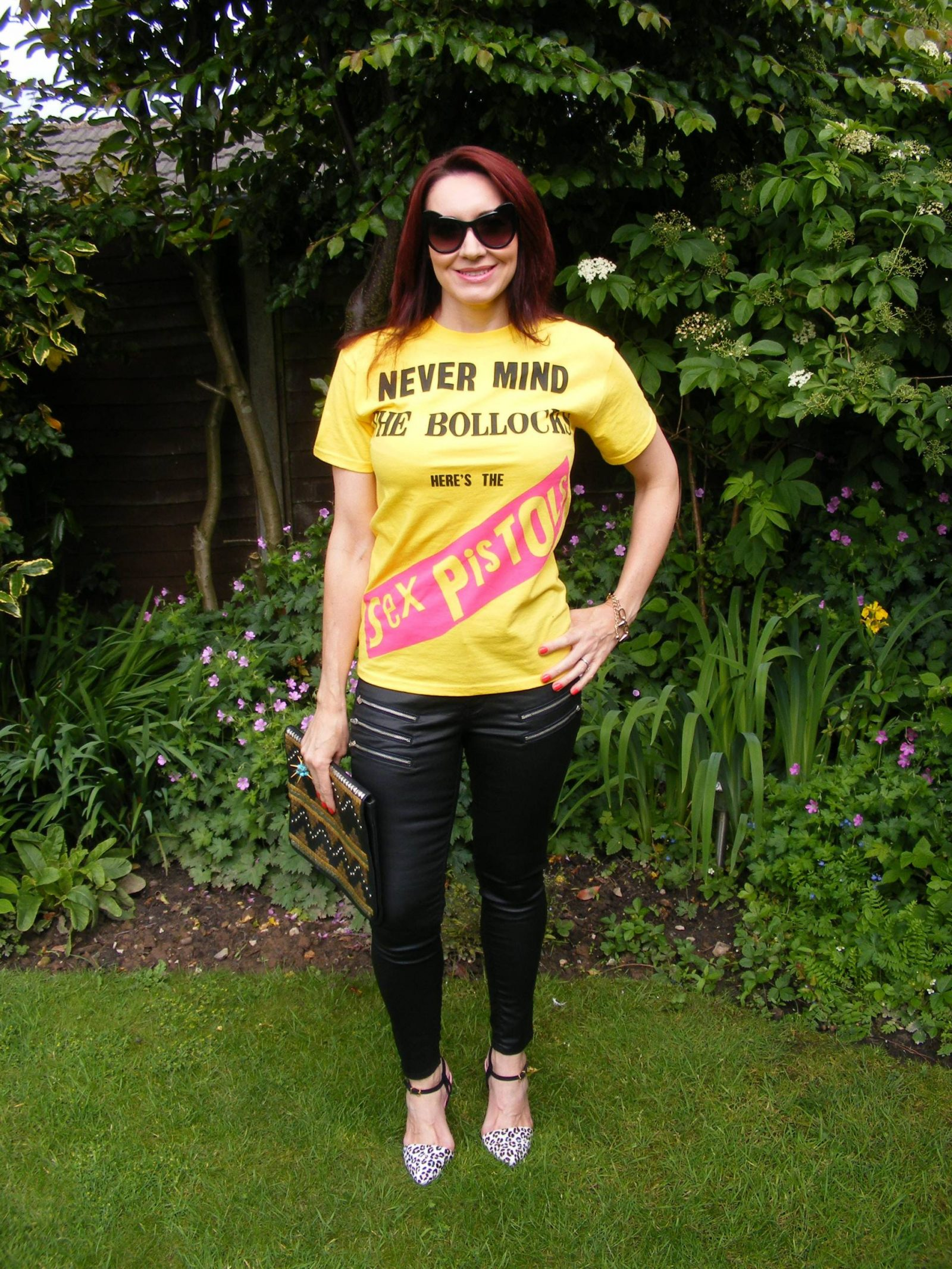 """Uptown Punk - Never Mind the """"Rules"""", Sex Pistols tee, Very coated black jeans"""