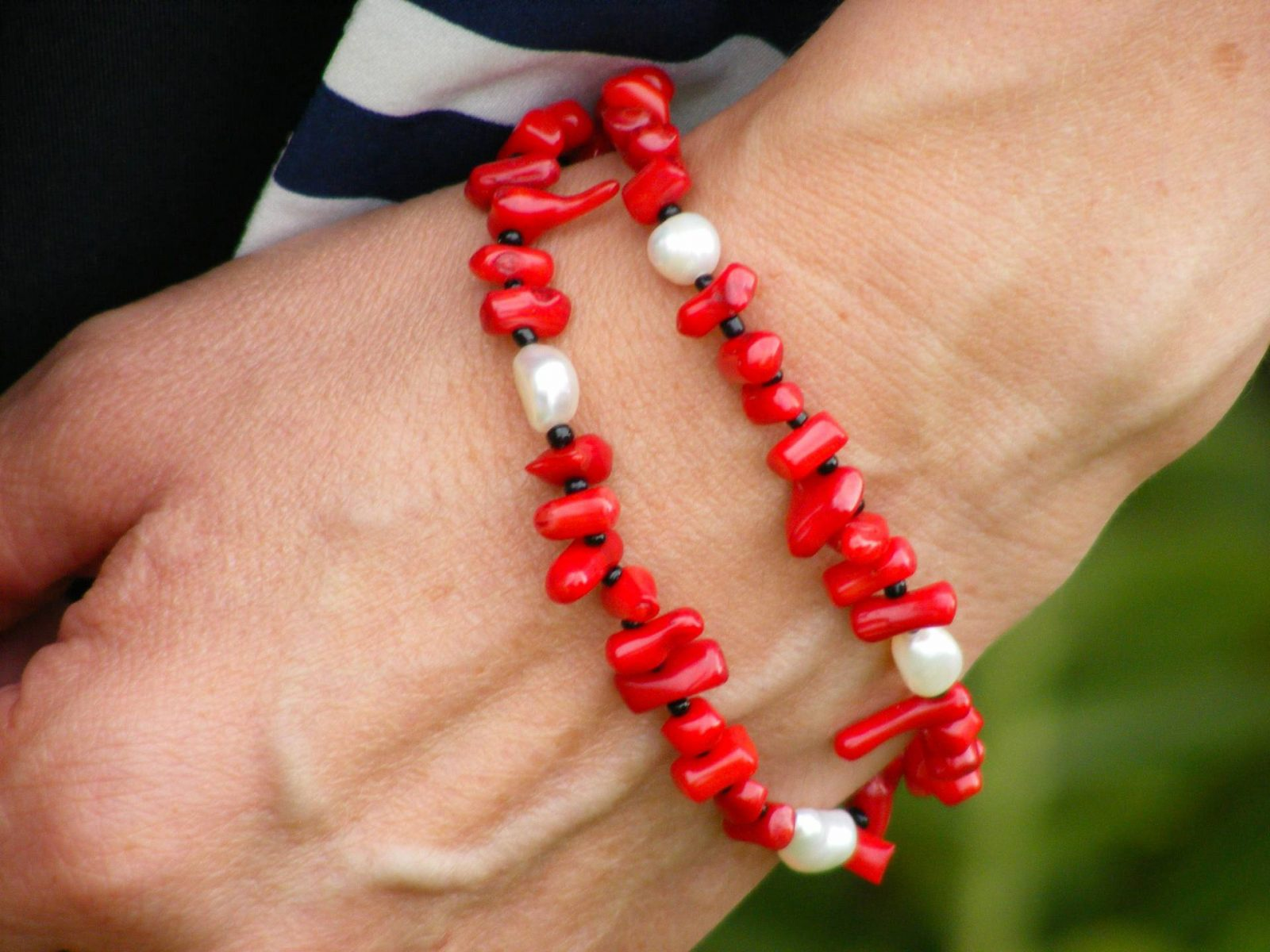 Red and pearl Pia bracelet