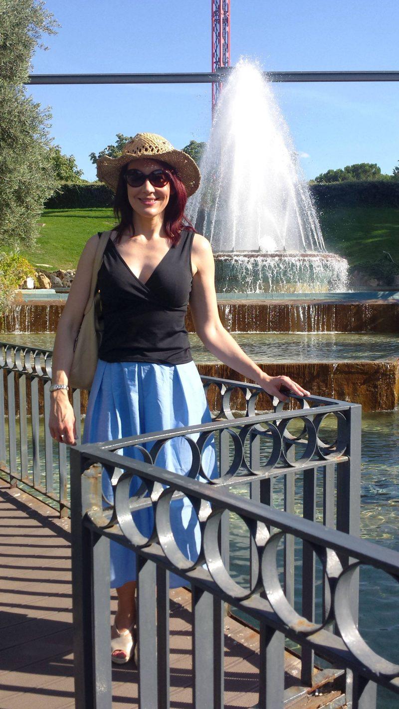 Blue Warehouse skirt Parque de Atracciones