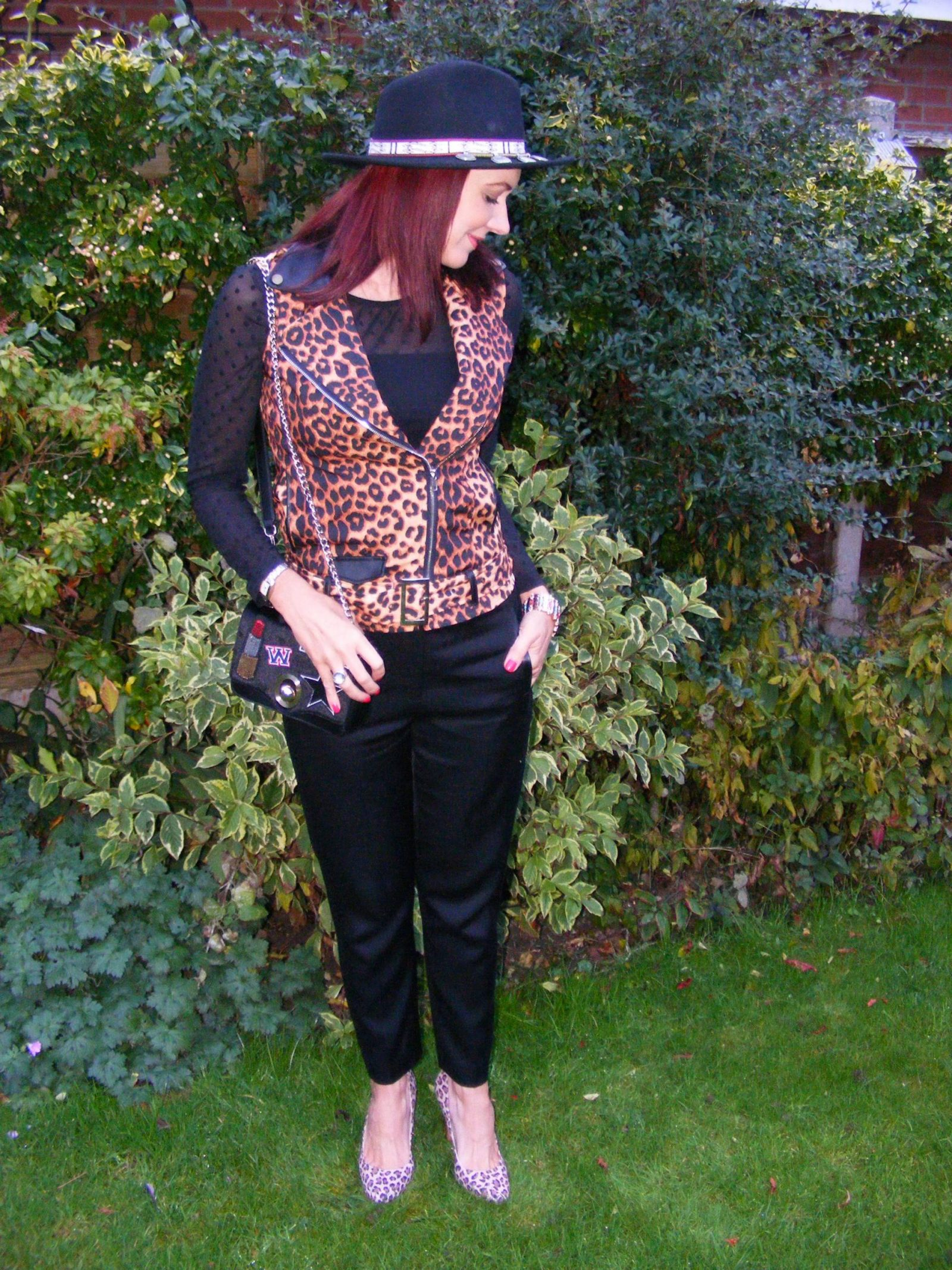 leopard-print-and-hat