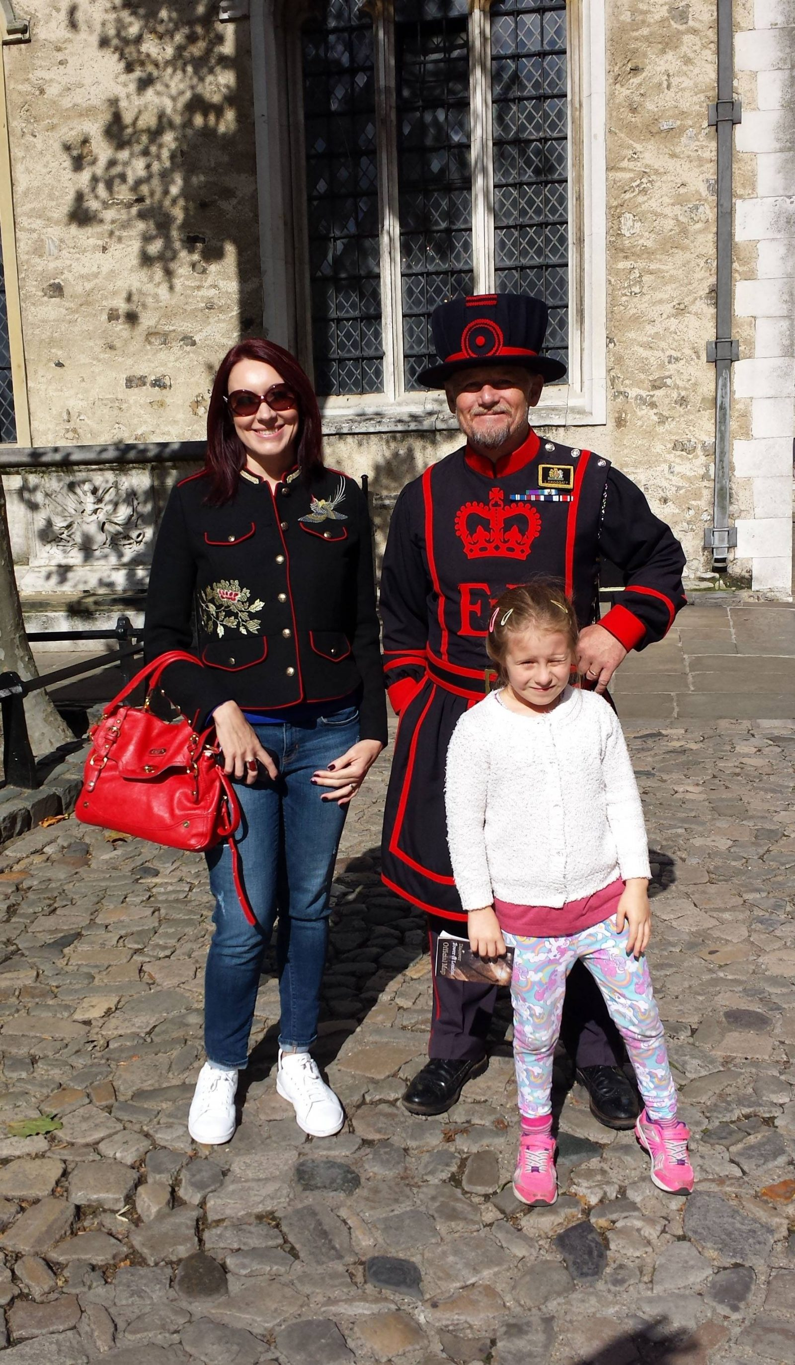 tower-of-london-beefeater