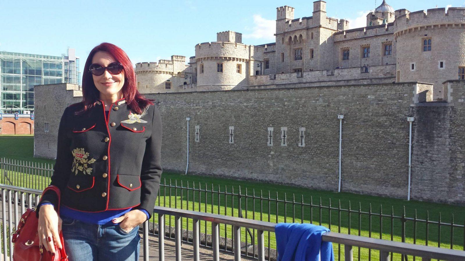 Weekend in London zara-military-jacket-tower-of-london