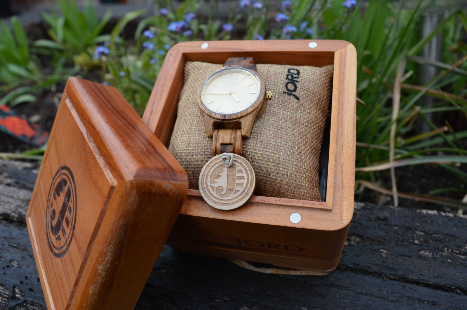 Jord Watch Review and Giveaway Frankie 35 Zebrawood & Champagne
