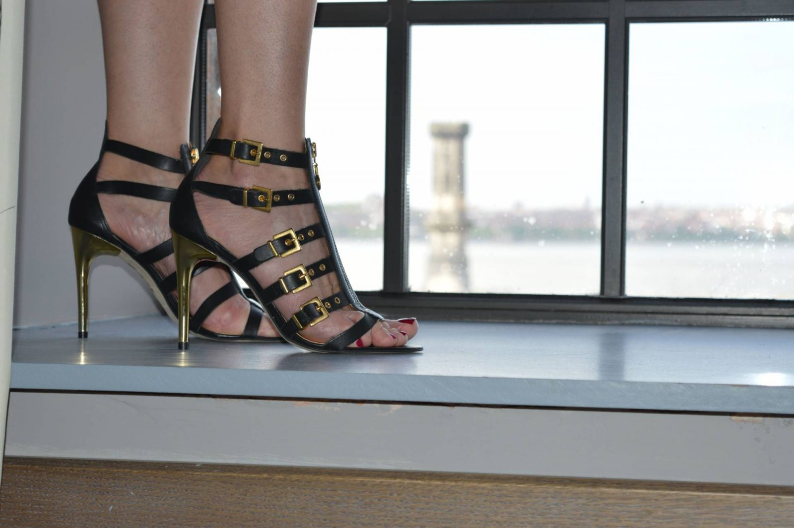 Black Rose Print Dress at the Titanic Hotel Liverpool Moda in Pelle cage sandals