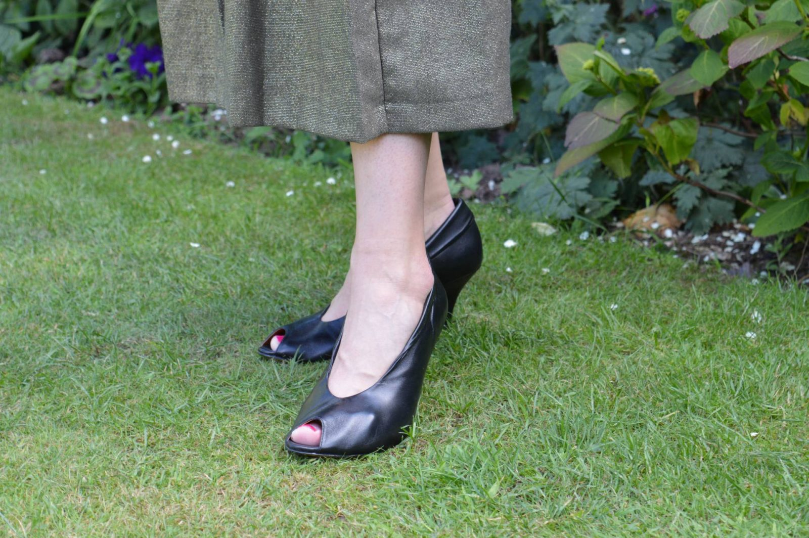 Bronx black leather peep toe shoes