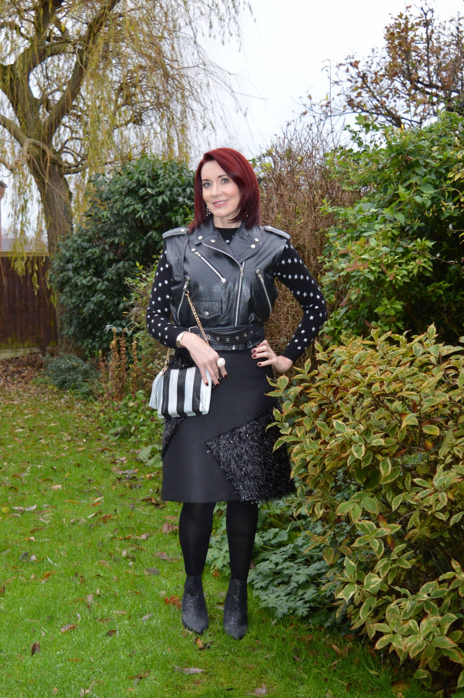 Black Tinsel Skirt, Glitter Boots and Star Jumper + Link Up