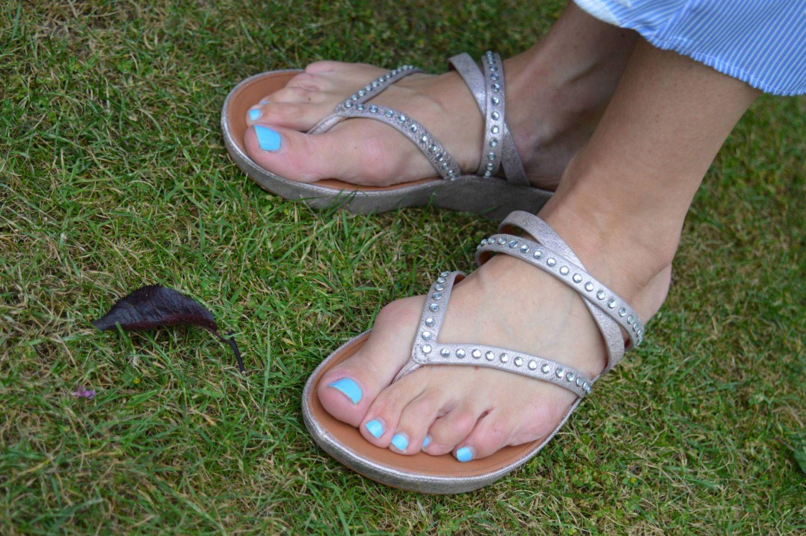 FitFlop Linny crisscross blush sandals