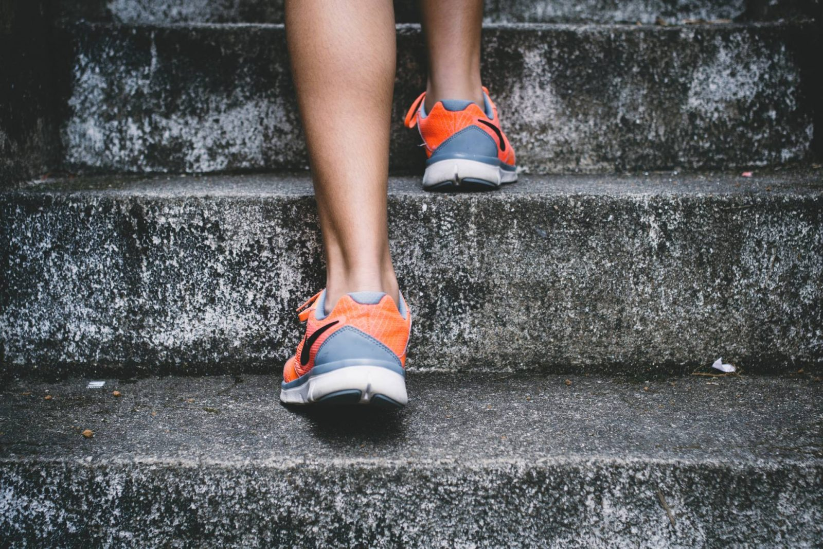 Tips for keeping fit in Winter, running up steps