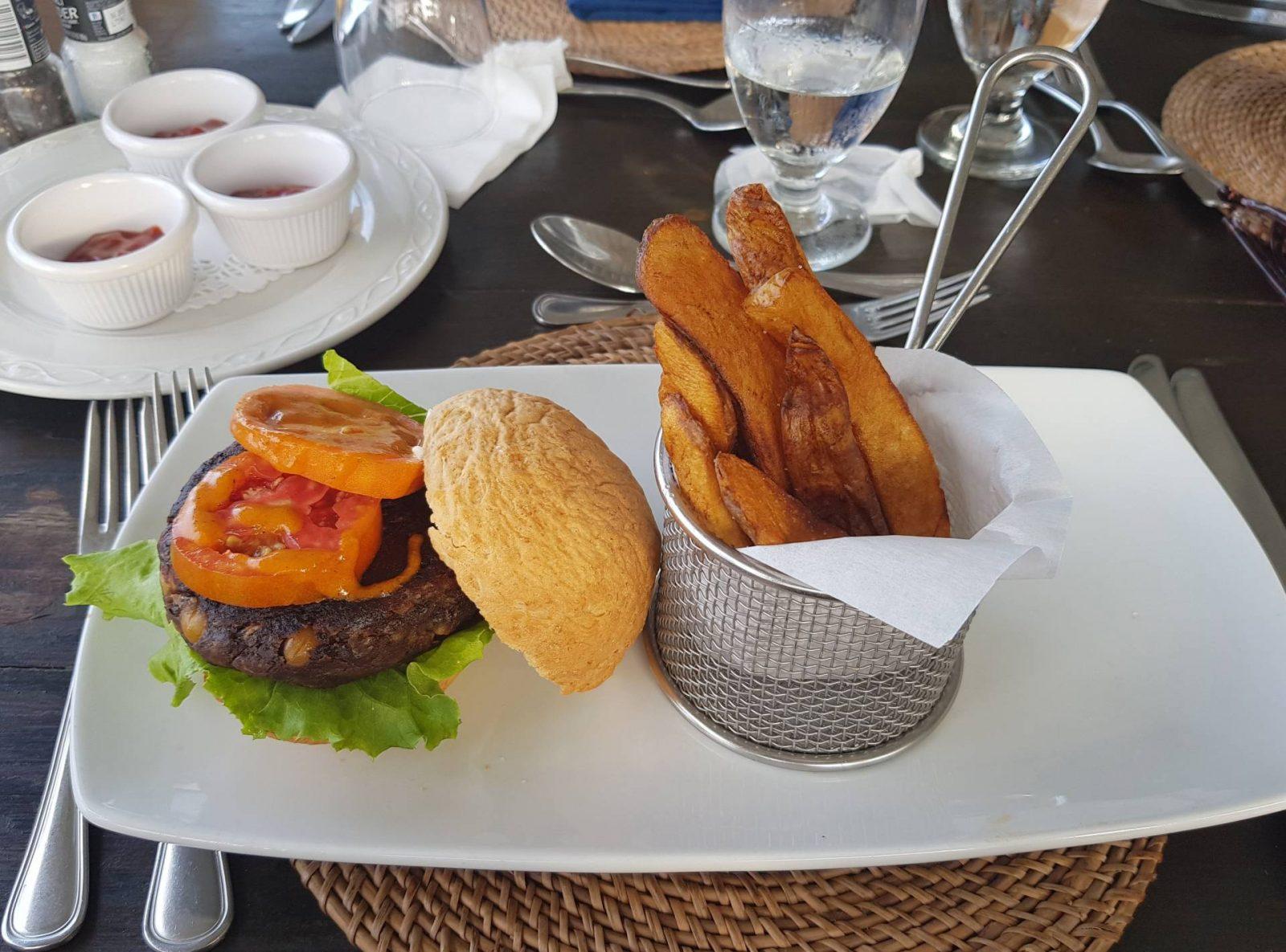 Miss Tunica leopard print kaftan and lunch at The Atlantis Historic Inn, vegan burger