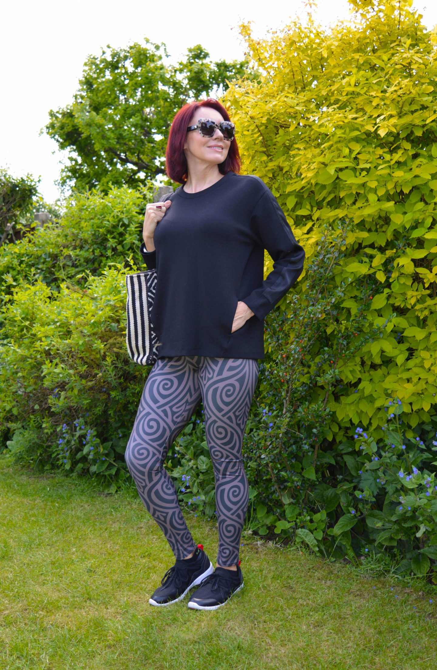 Workout leggings that are not just for the gym, Meadowlark Nouveau bands leggings, Vionic trainers