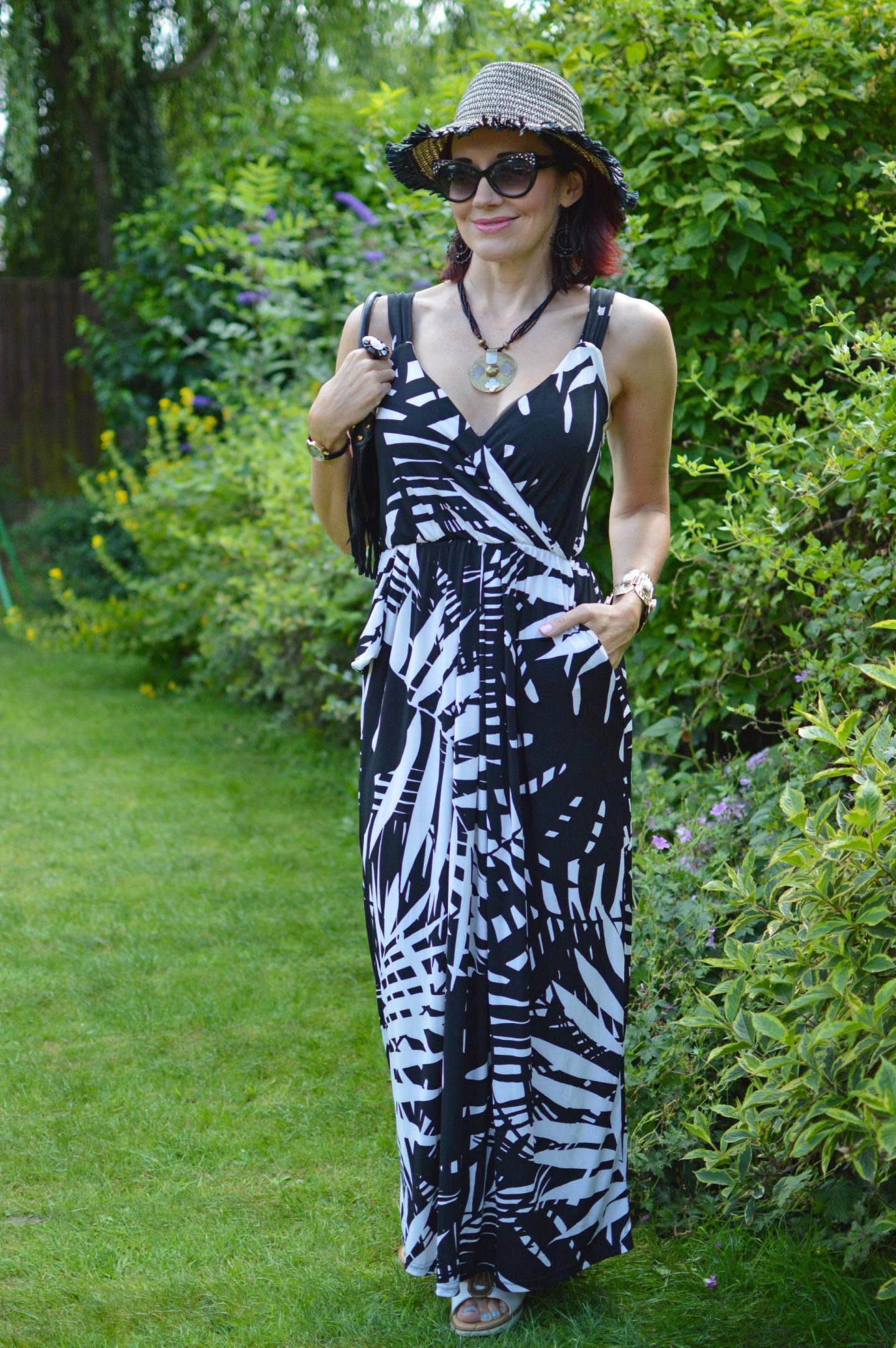 How We Style Maxi Dresses Stylish Monday link up, Lorraine for JD Williams black and white maxi dress